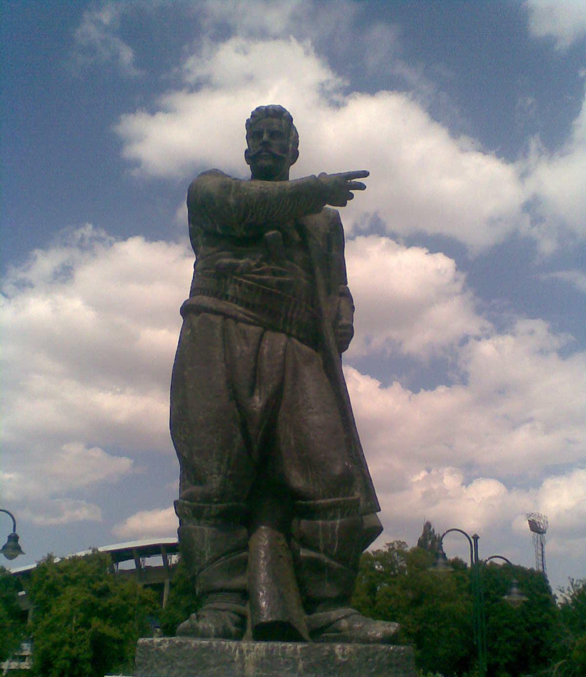 File Statue Of Goce Delcev In Skopje Macedonia Jpg Wikimedia