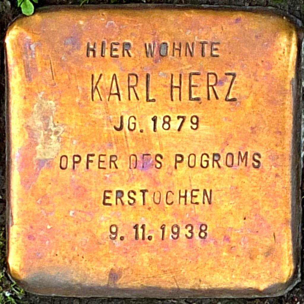 Stolperstein Karl Herz Hilden.jpg
