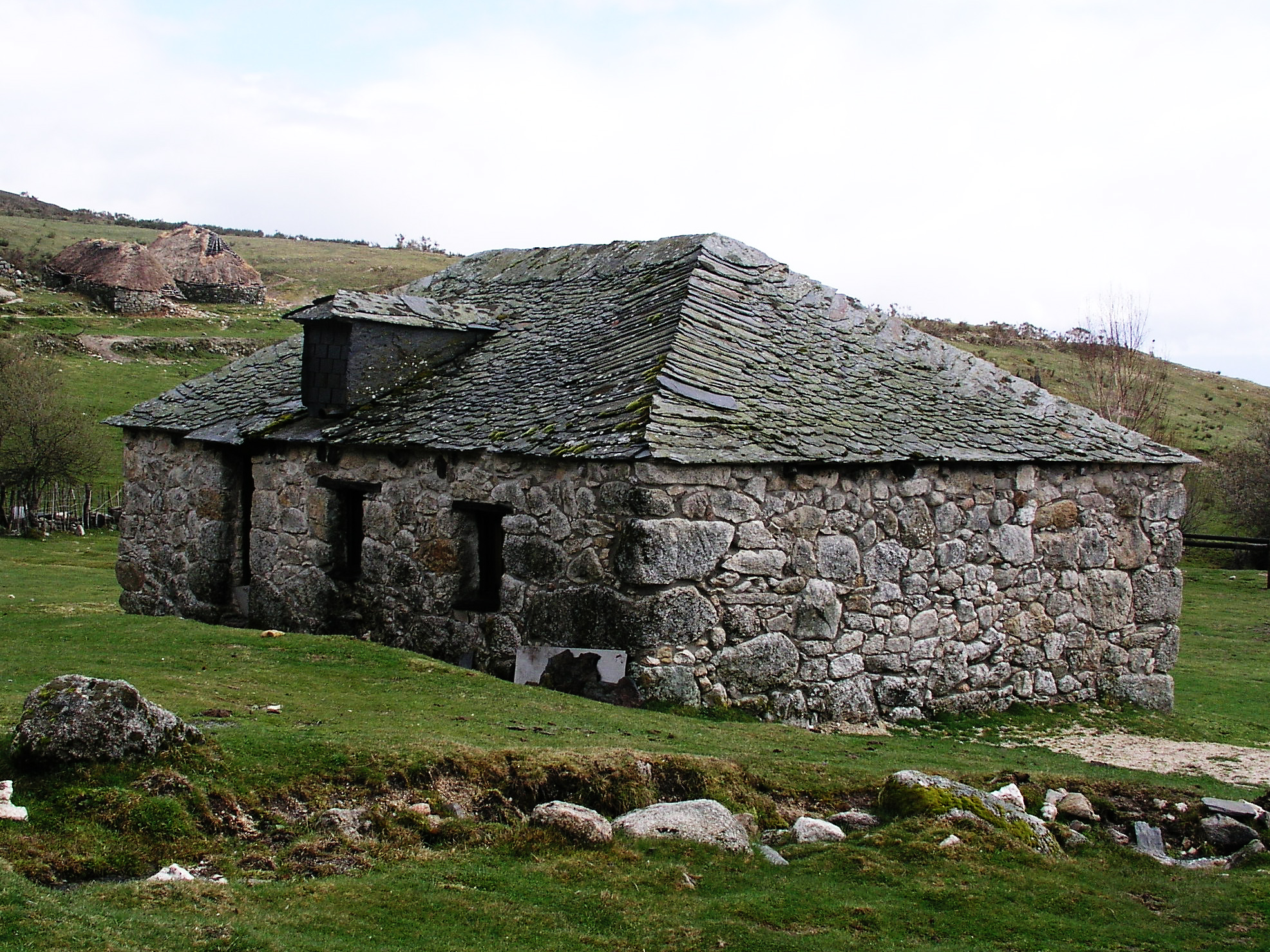 file stone house wikimedia commons