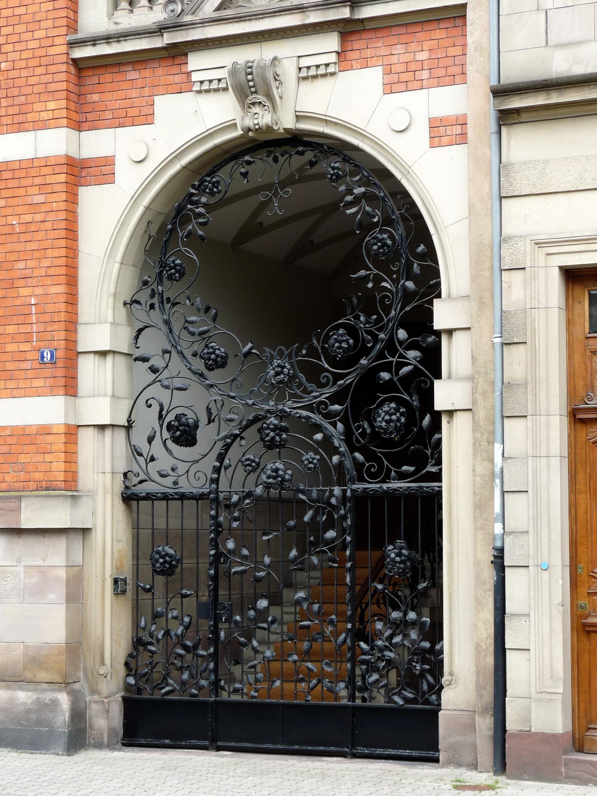 #995432 Portões de ferro Portas de entrada and Portões on Pinterest 572 Janelas Em Arco Sasazaki