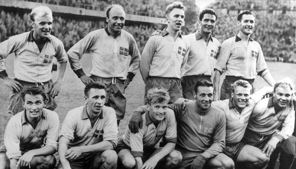 File:Swedish squad at the 1958 FIFA World Cup (2).jpg