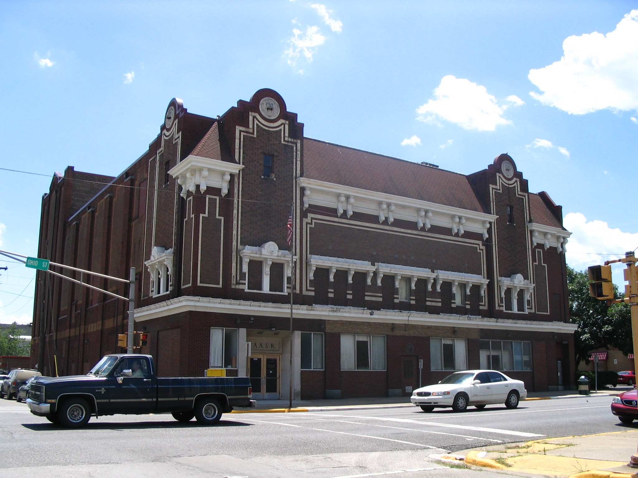 File terre haute in hippodrome theater jpg wikimedia for Haute in english