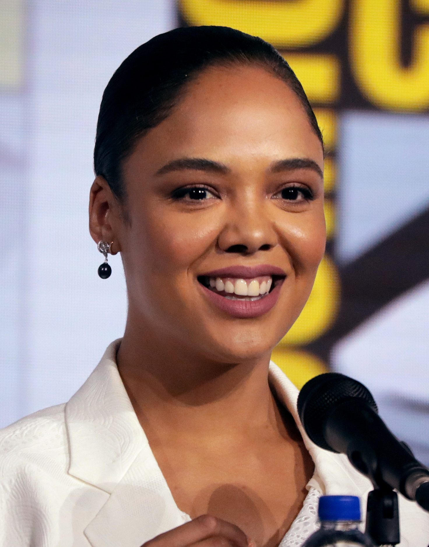 Tessa Thompson - Wikipedia