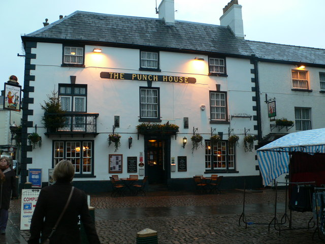 Description The Punch House, Monmouth - geograph.org.uk - 649062.jpg