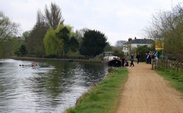 The towpath next to the Isis - geograph.org.uk - 1253628