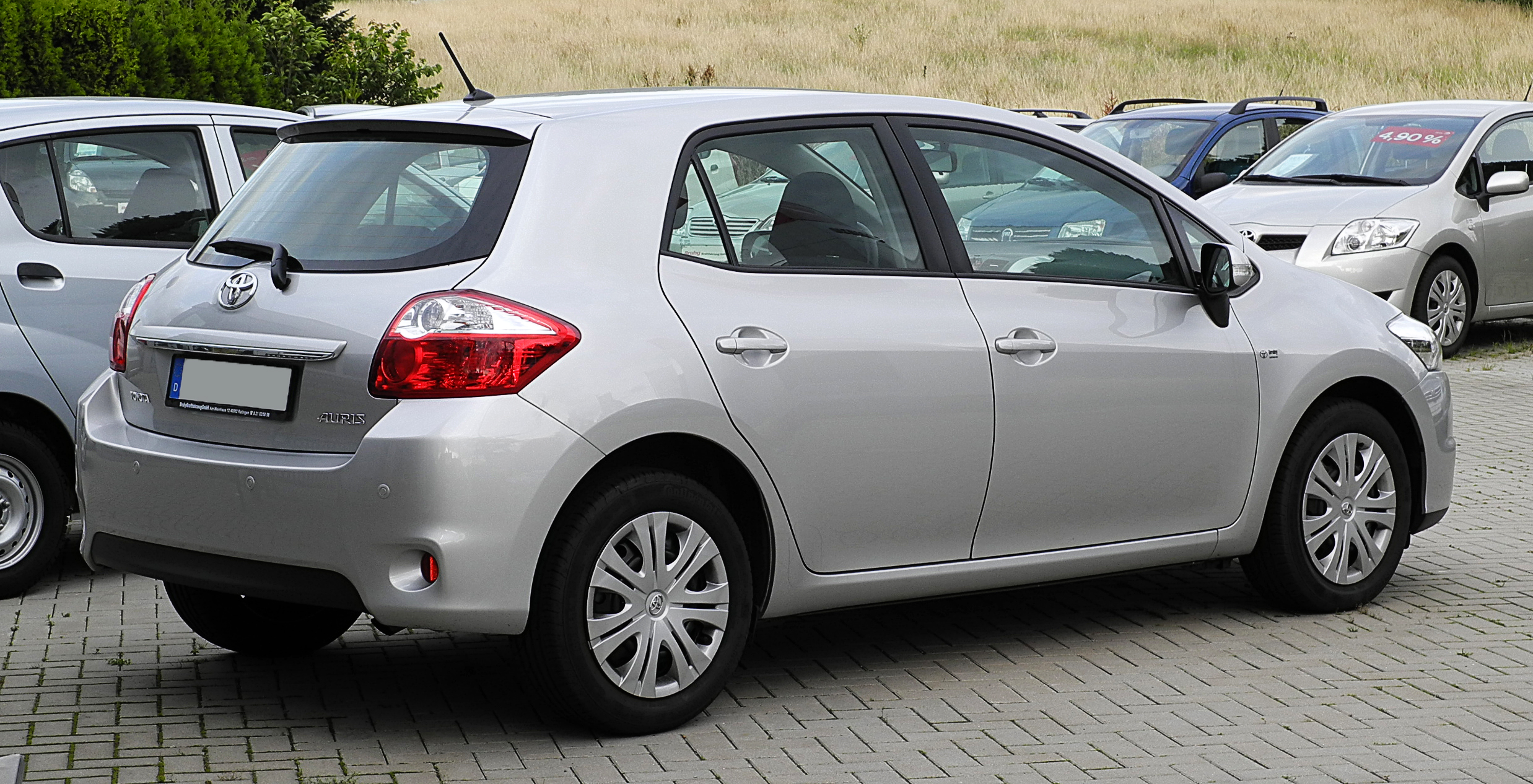file toyota auris 1 6 life facelift heckansicht 21 juni 2011 wikimedia. Black Bedroom Furniture Sets. Home Design Ideas