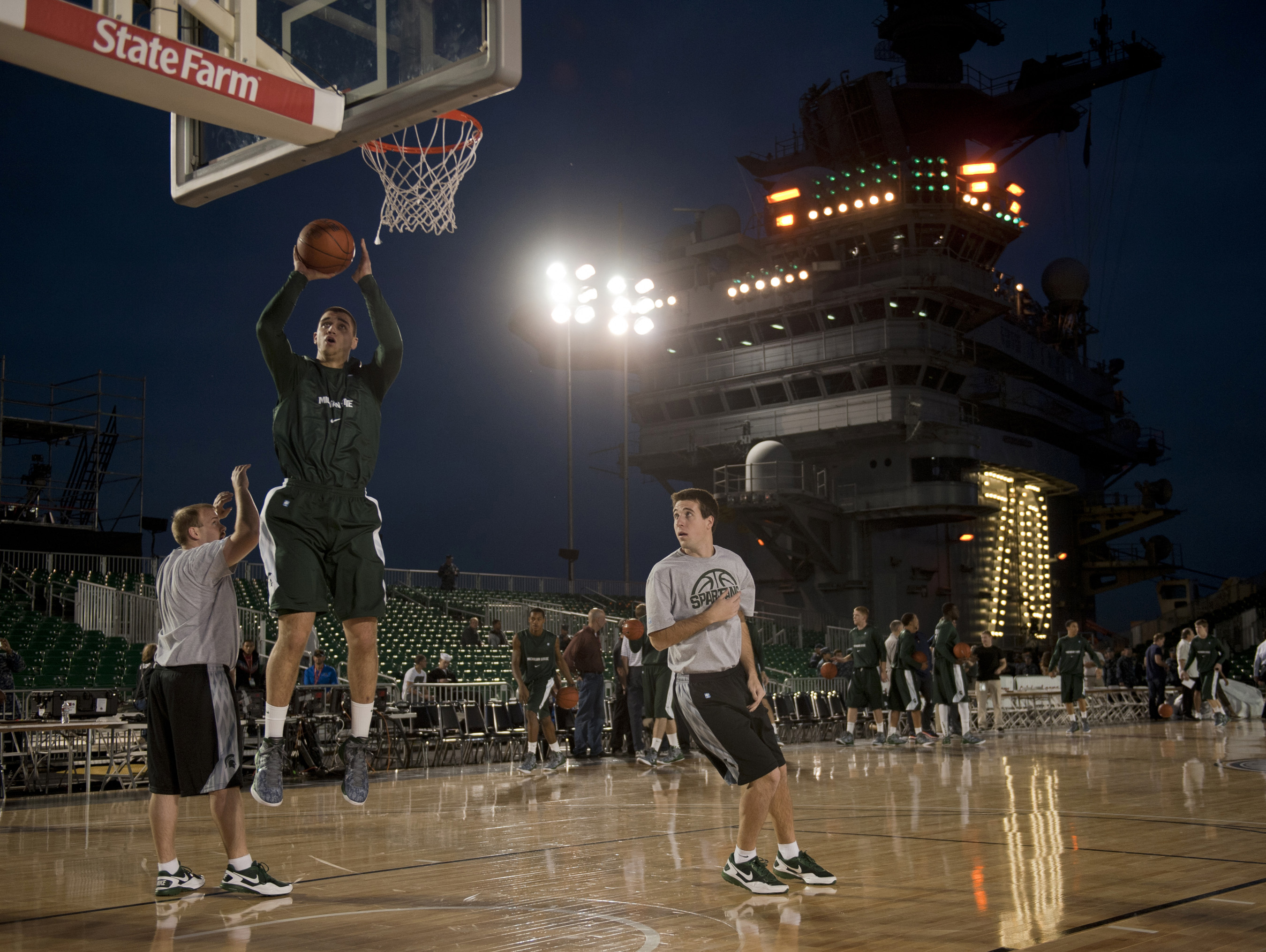 File:US Navy 111110-N-DR144-737 Michigan State University ...