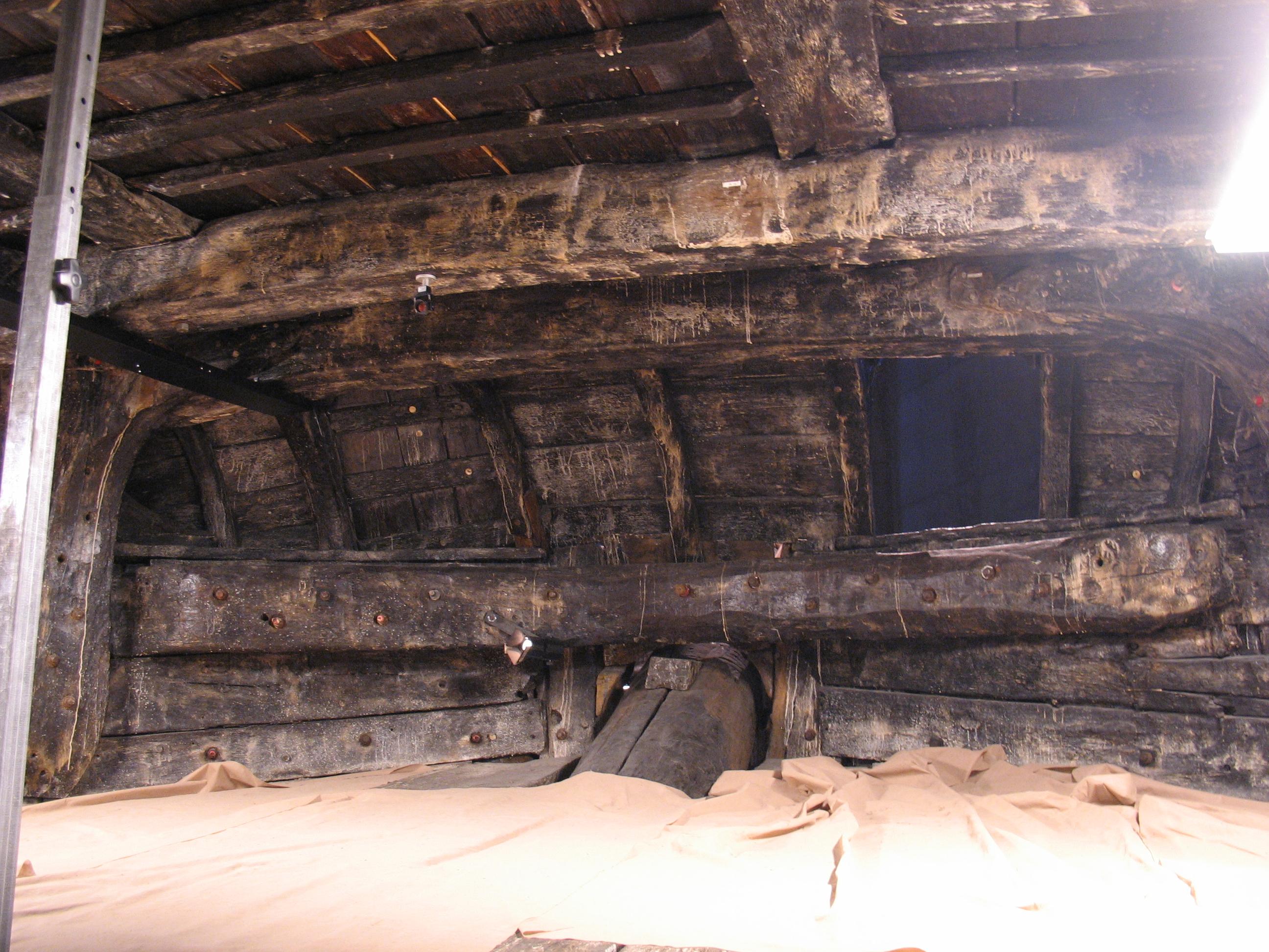 File:Vasa-upper gun deck-7.jpg - Wikimedia Commons