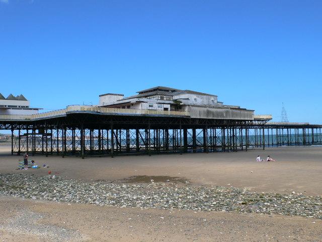 Victoria Pier, Colwyn Bay - geograph.org.uk - 527462