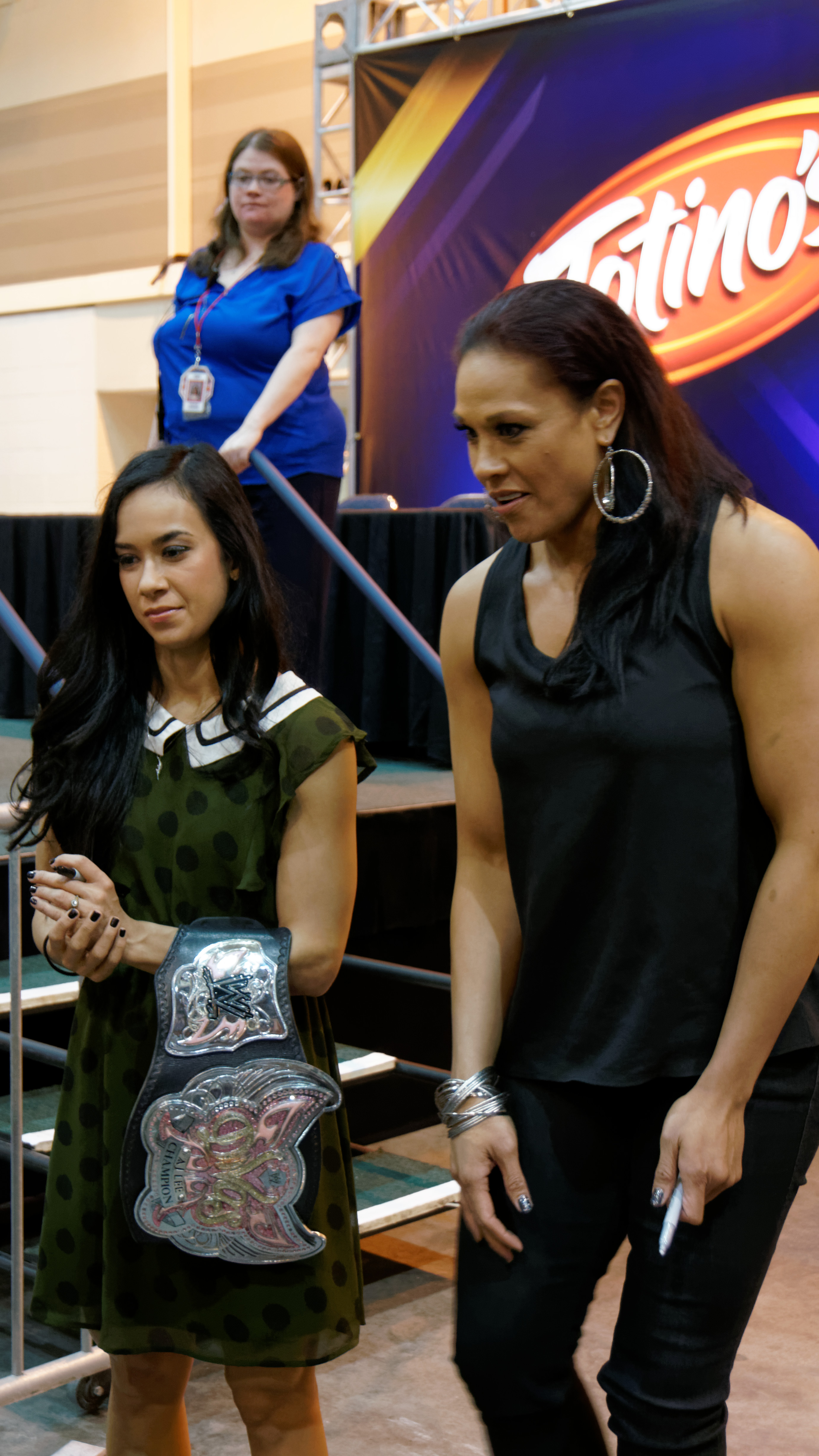 XXX Axxess 2014-04-04 18-56-18 NEX-6 7356 DxO (13910550382).jpg 2014-04-04_18-56-18_NEX-6_7356_DxO Date 4 April 2014, 18:56 Source 2014-04-04_18-56-18_NEX-6_7356_DxO