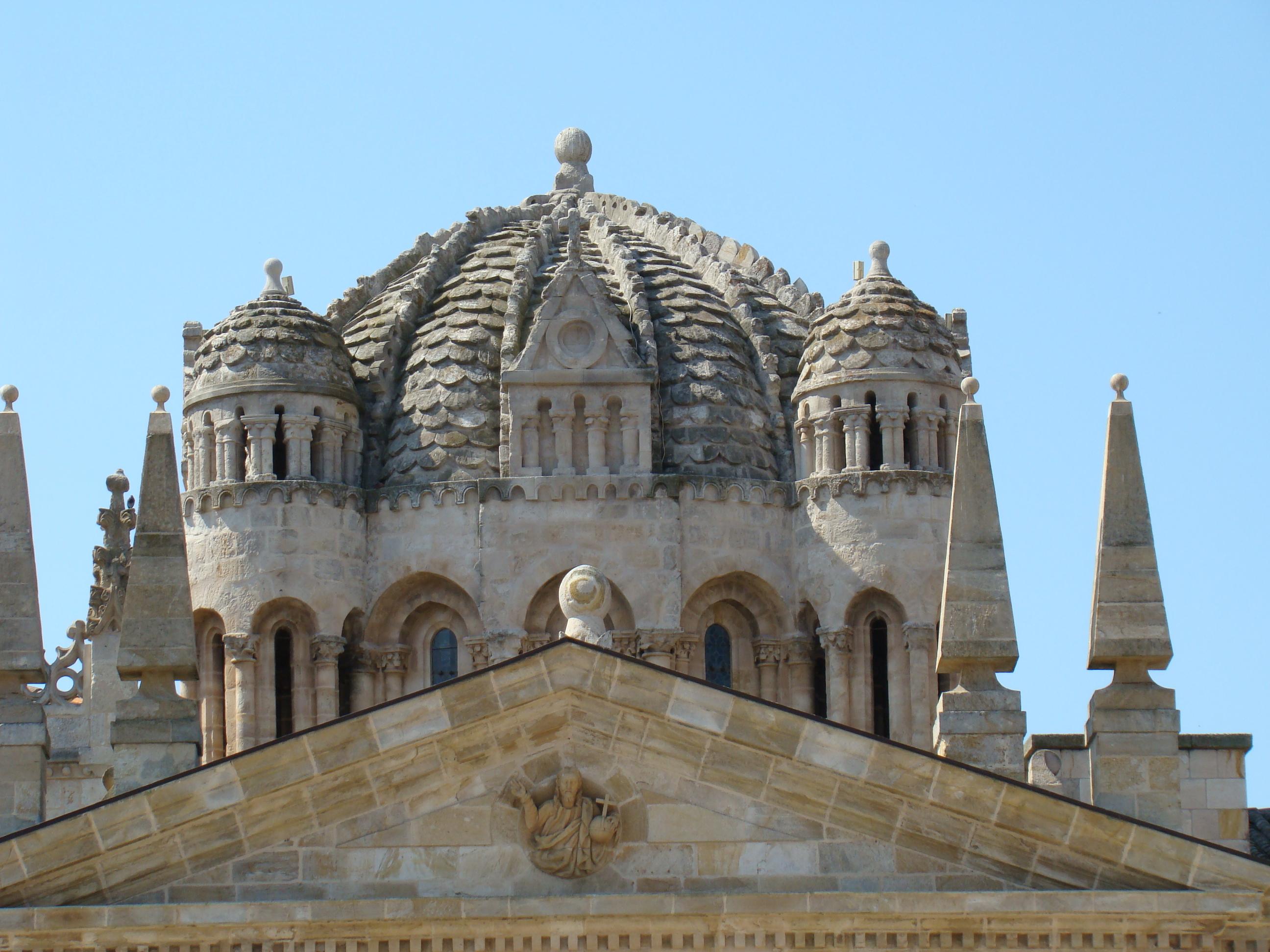 File zamora catedral 01 cupula romanica lou jpg for Catedral de zamora interior