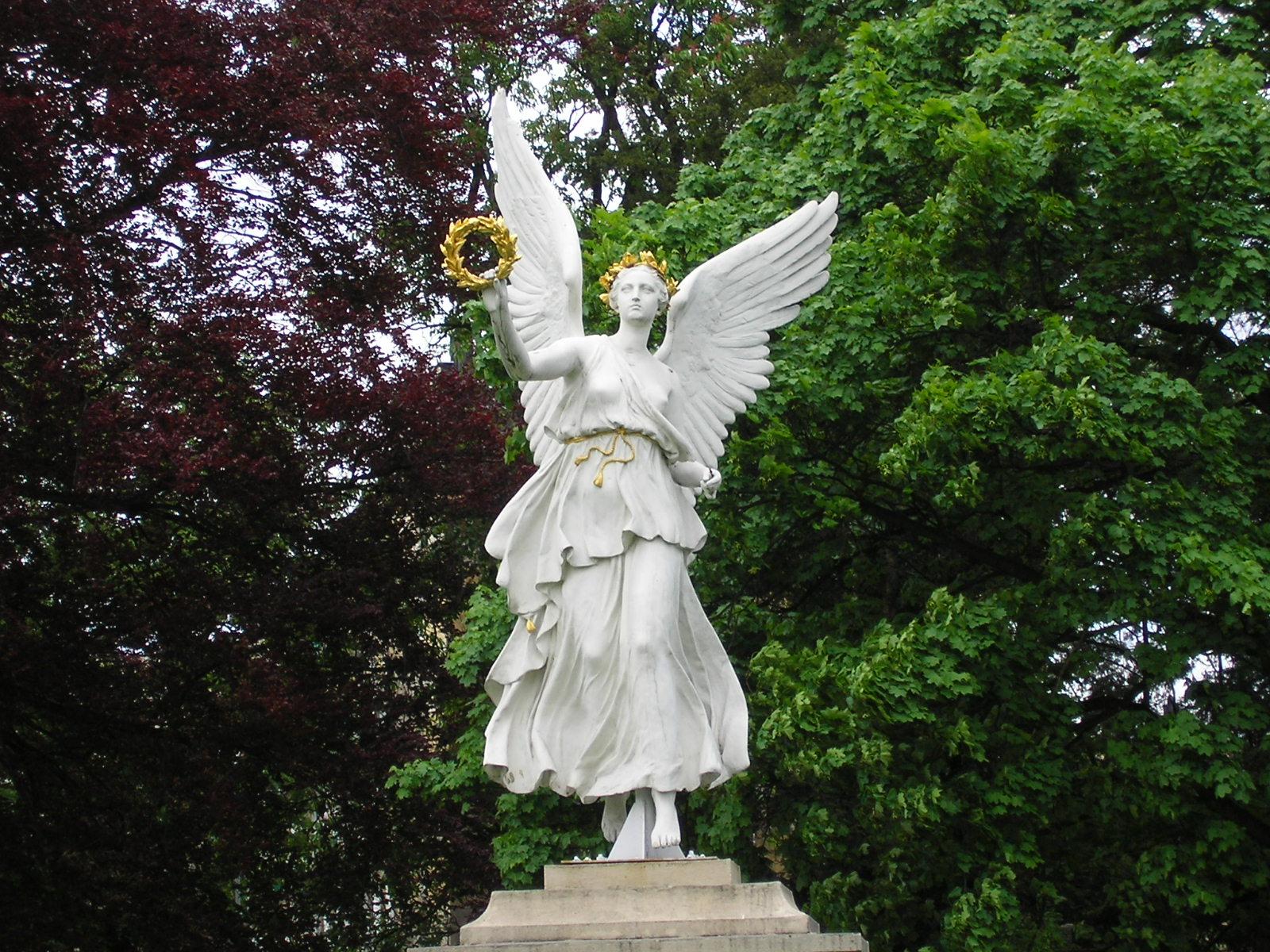 Эйрена древнегреческая богиня