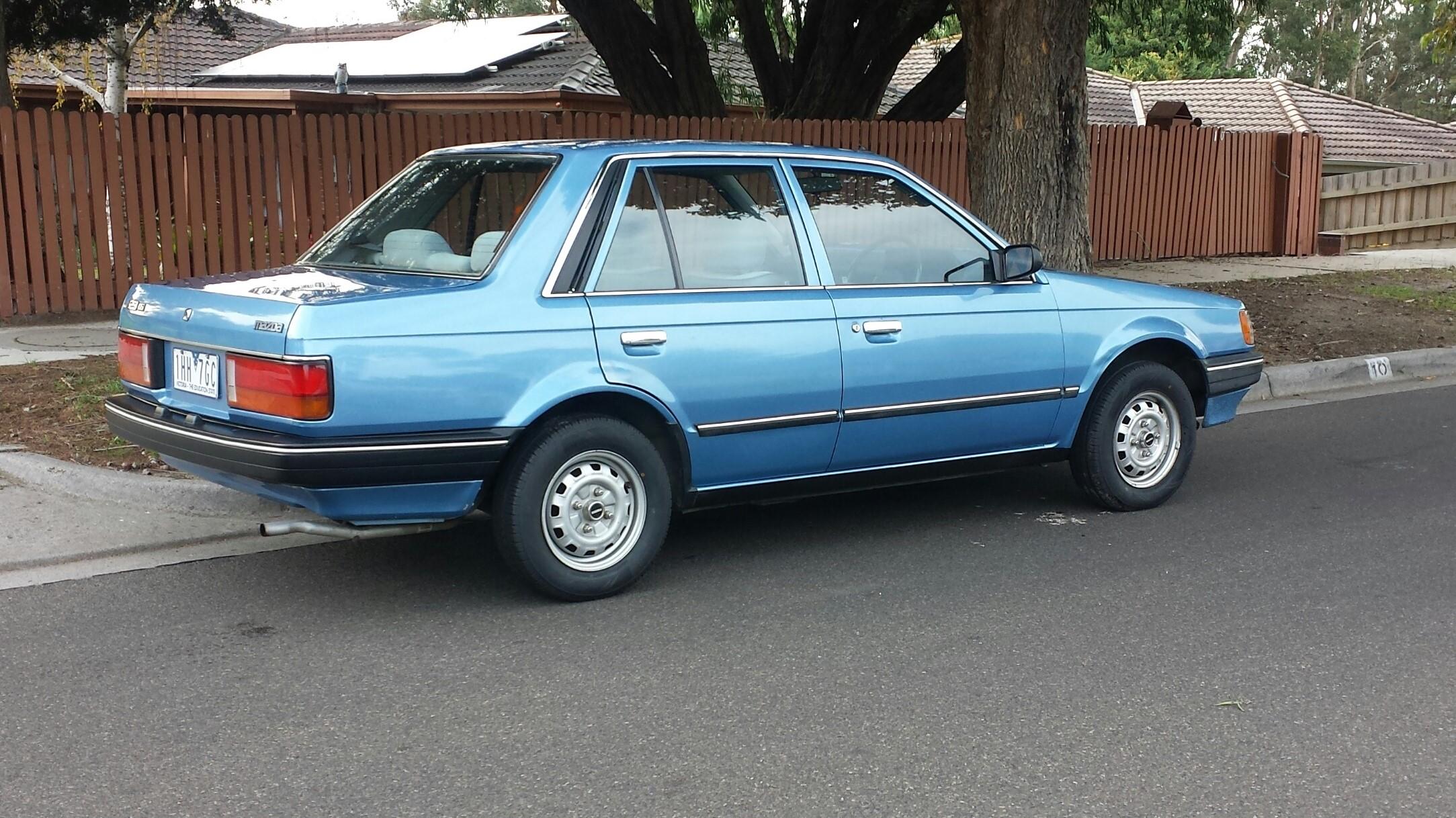 File 1986 Mazda 323 Bf Deluxe Sedan 27362107680 Jpg