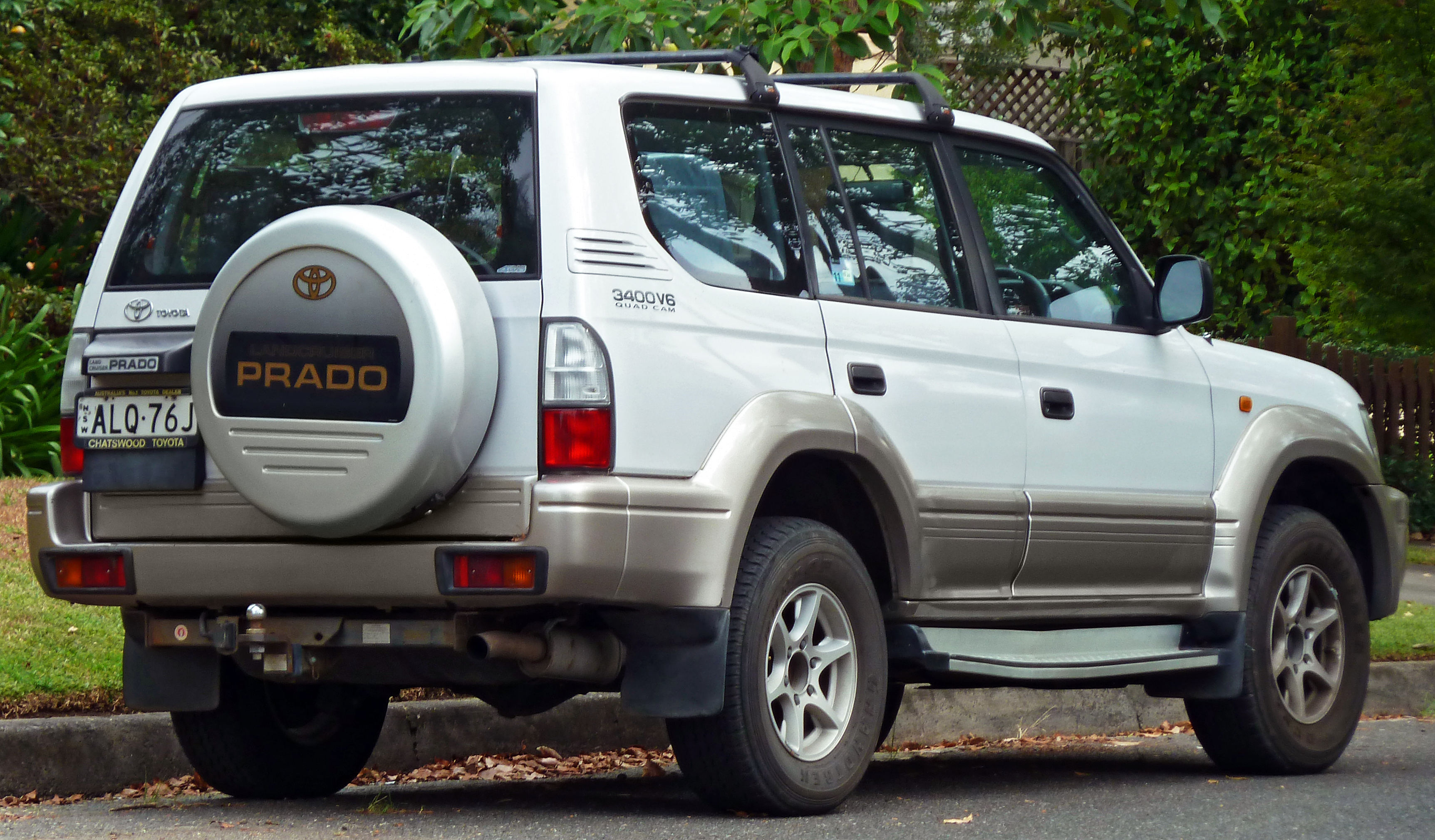 Toyota Land Cruiser Prado - Wikipedia