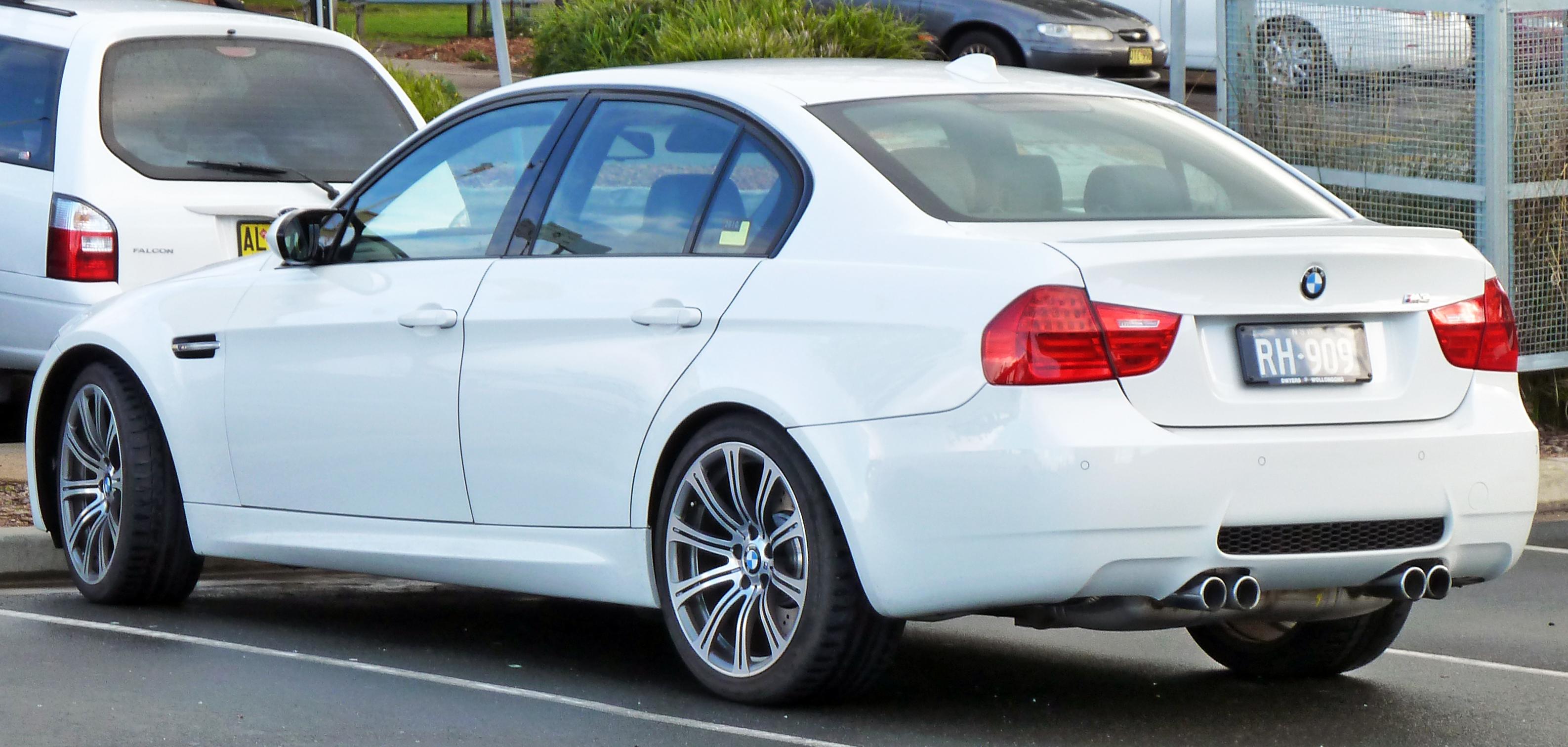 Bmw E90 Wiki >> File:2008-2010 BMW M3 (E90) sedan 02.jpg - Wikimedia Commons