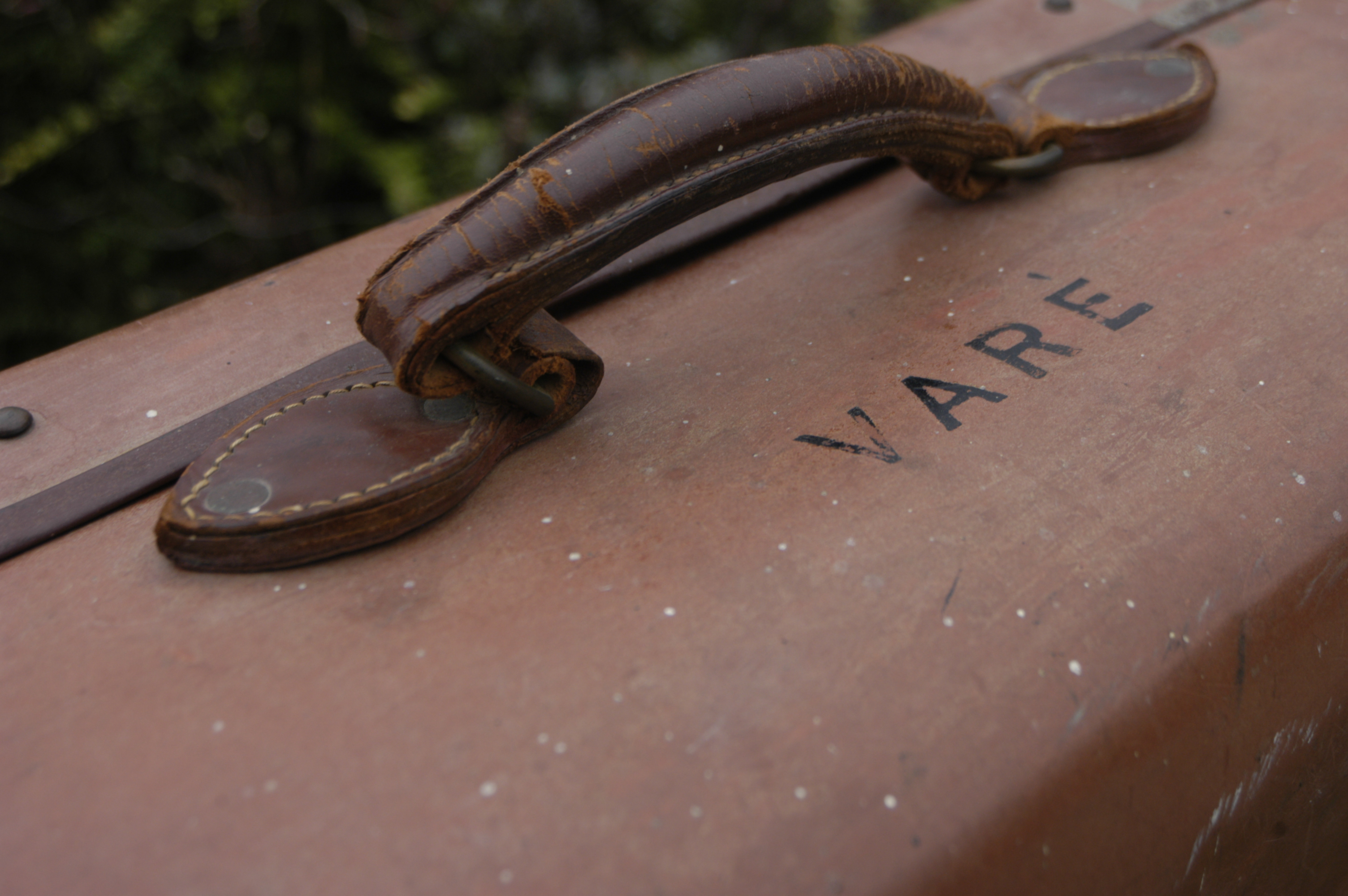 Suitcase that belonged to Daniele Varè, or his wife, and then daughter.