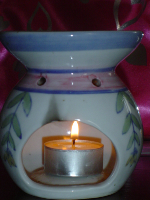A candle-based diffuser