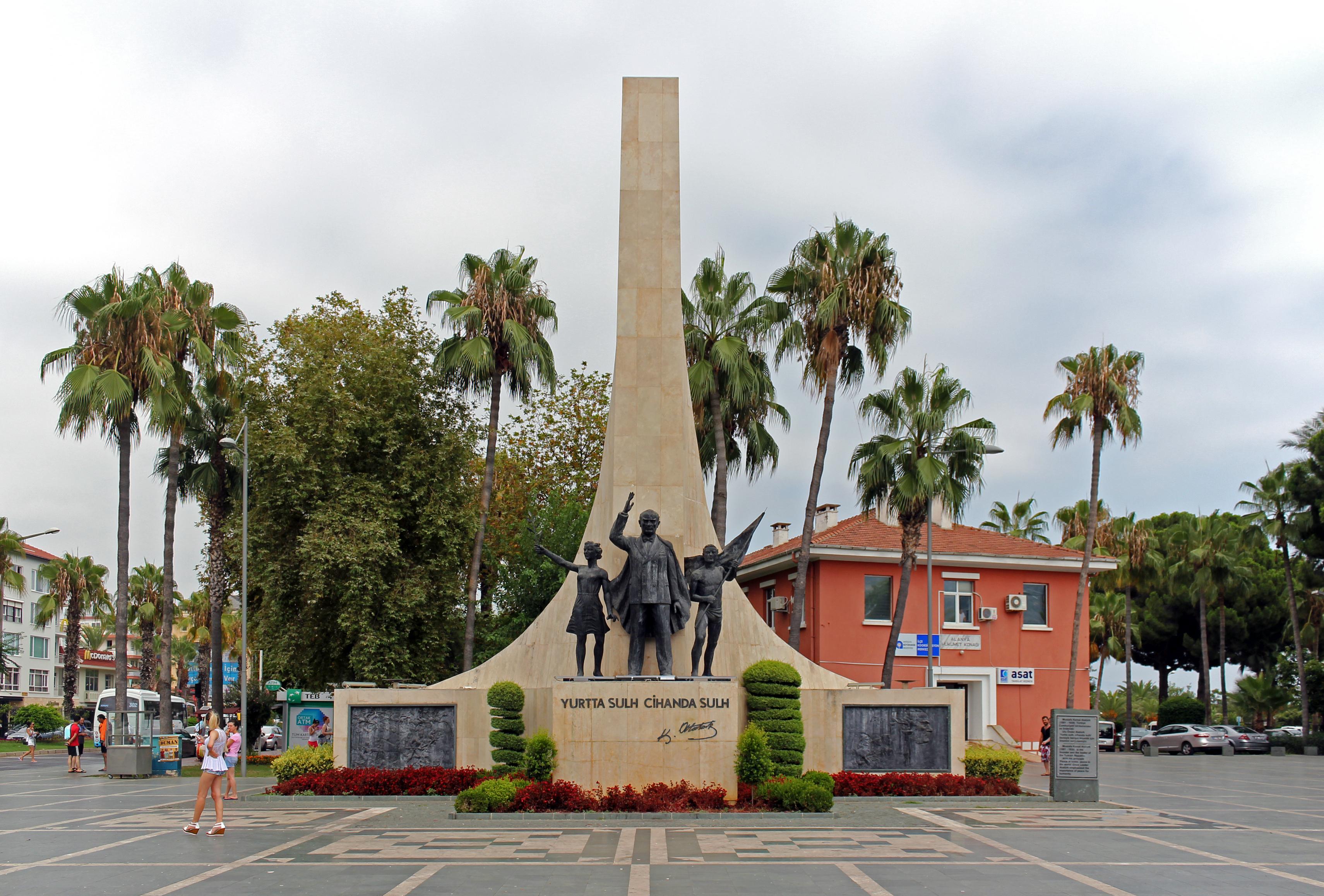 File:Alanya. Monument to Mustafa Kemal Atatürk.jpg - Wikimedia Commons