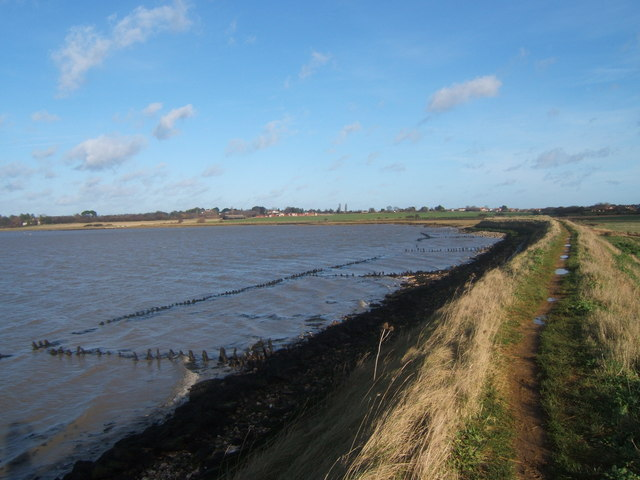 File:Aldeburgh Marsh dyke and the River Alde near Stanny Point - geograph.org.uk - 319087.jpg