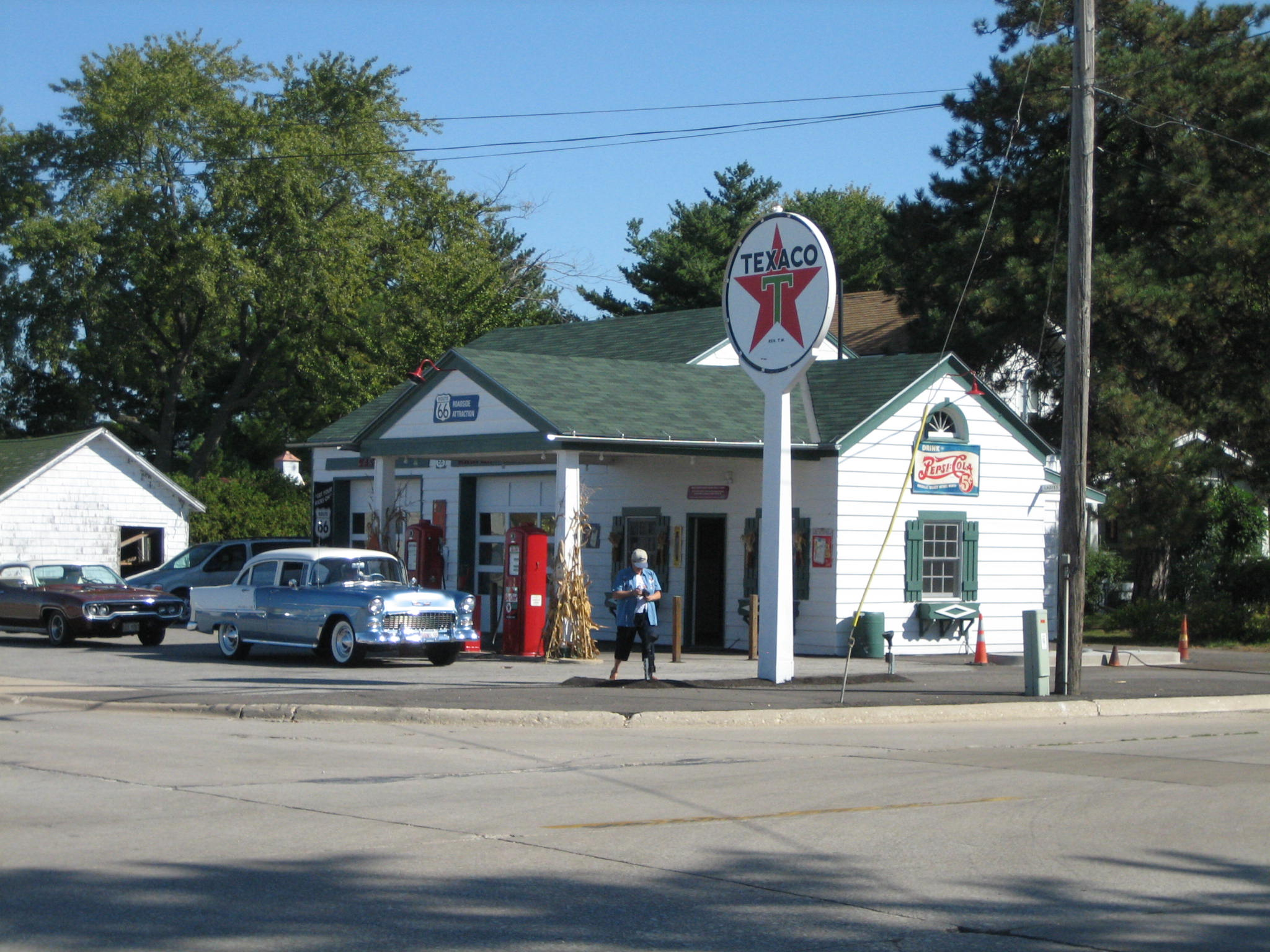 File:Ambler's Texaco Gas Station6.JPG - Wikimedia Commons