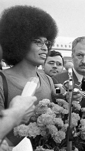 File:Angela Davis Moscow 1972 cropped.jpg - Wikimedia Commons
