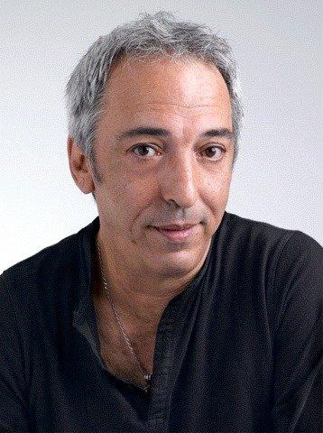 https://upload.wikimedia.org/wikipedia/commons/8/81/Aziz_Chouaki.jpg