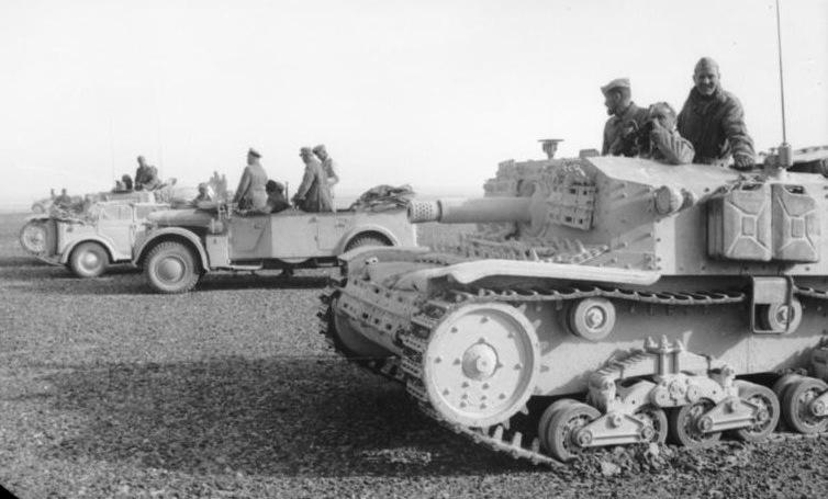 Bundesarchiv Bild 101I-784-0208-17A, Nordafrika, italienische Panzer.2