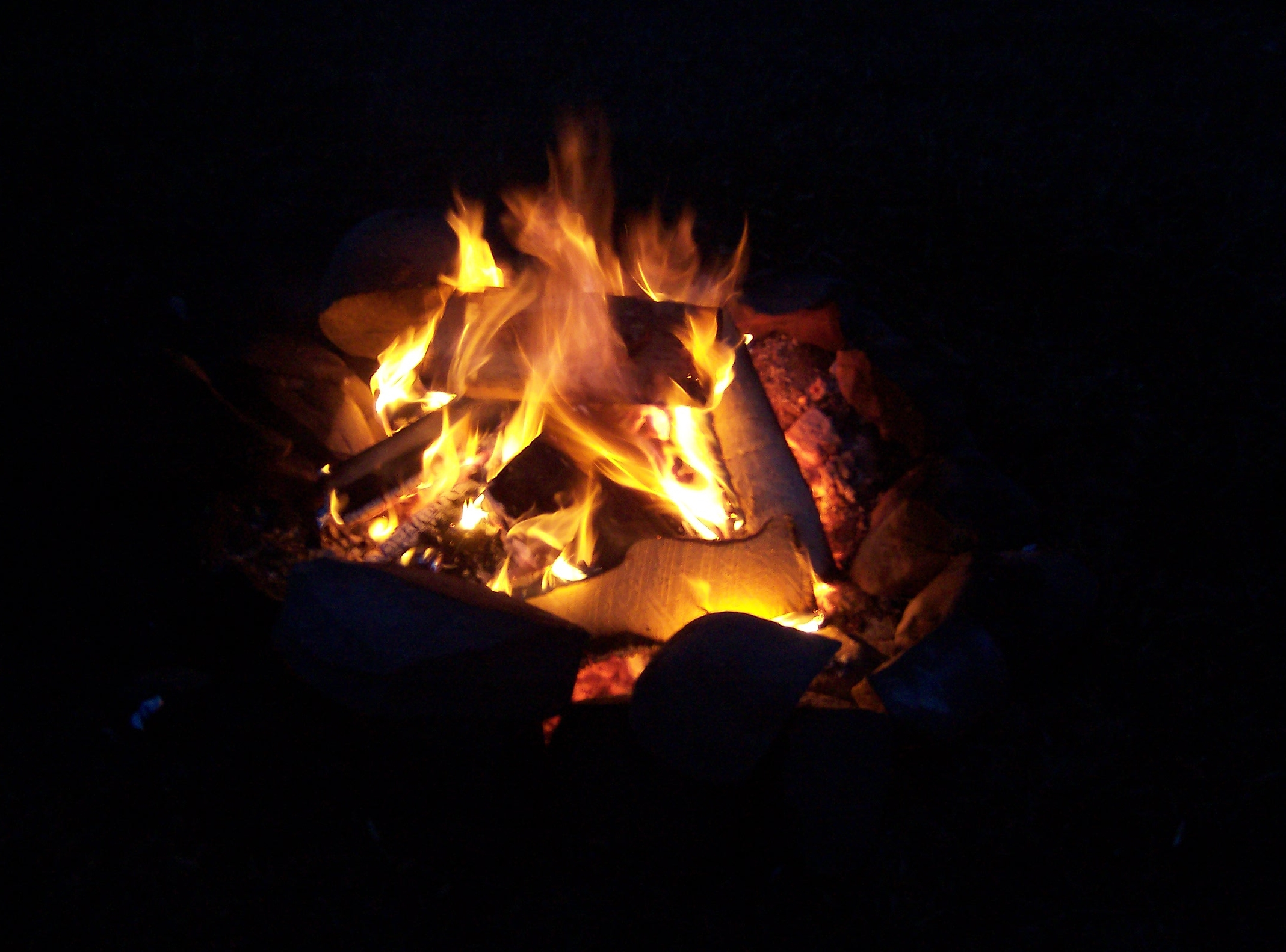 File Campfire Jpg Wikimedia Commons