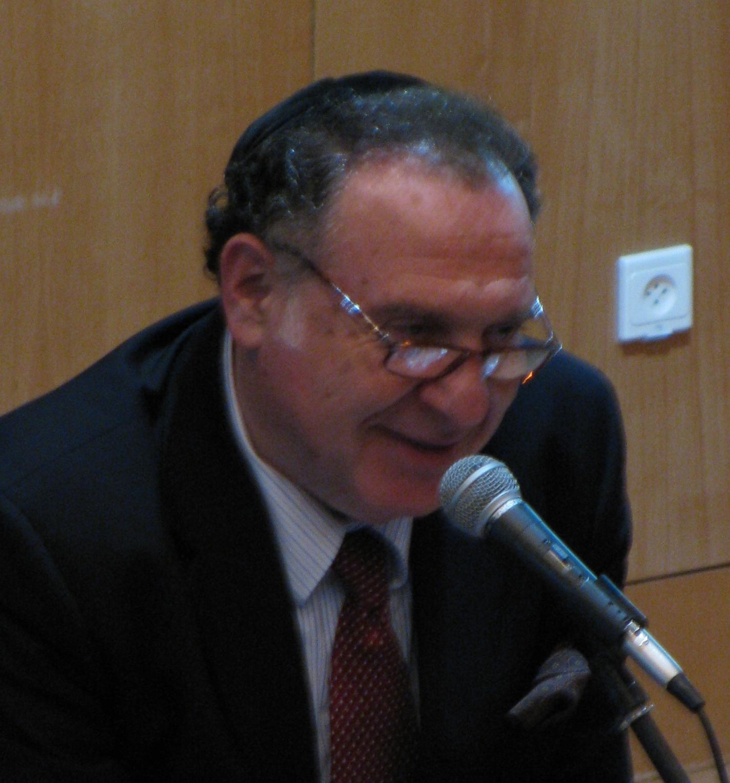 Cantor Naftali Herstik - Hear O Israel