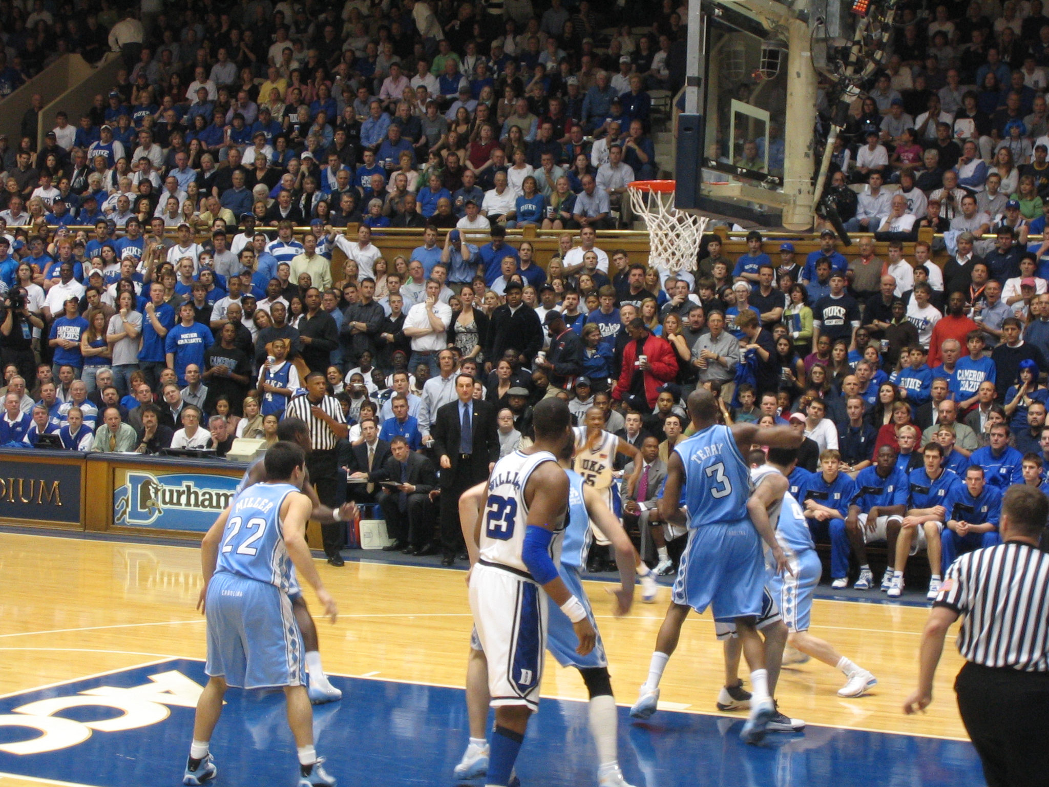 File:Carolina-Duke basketball 2006 1.jpg - Wikimedia Commons