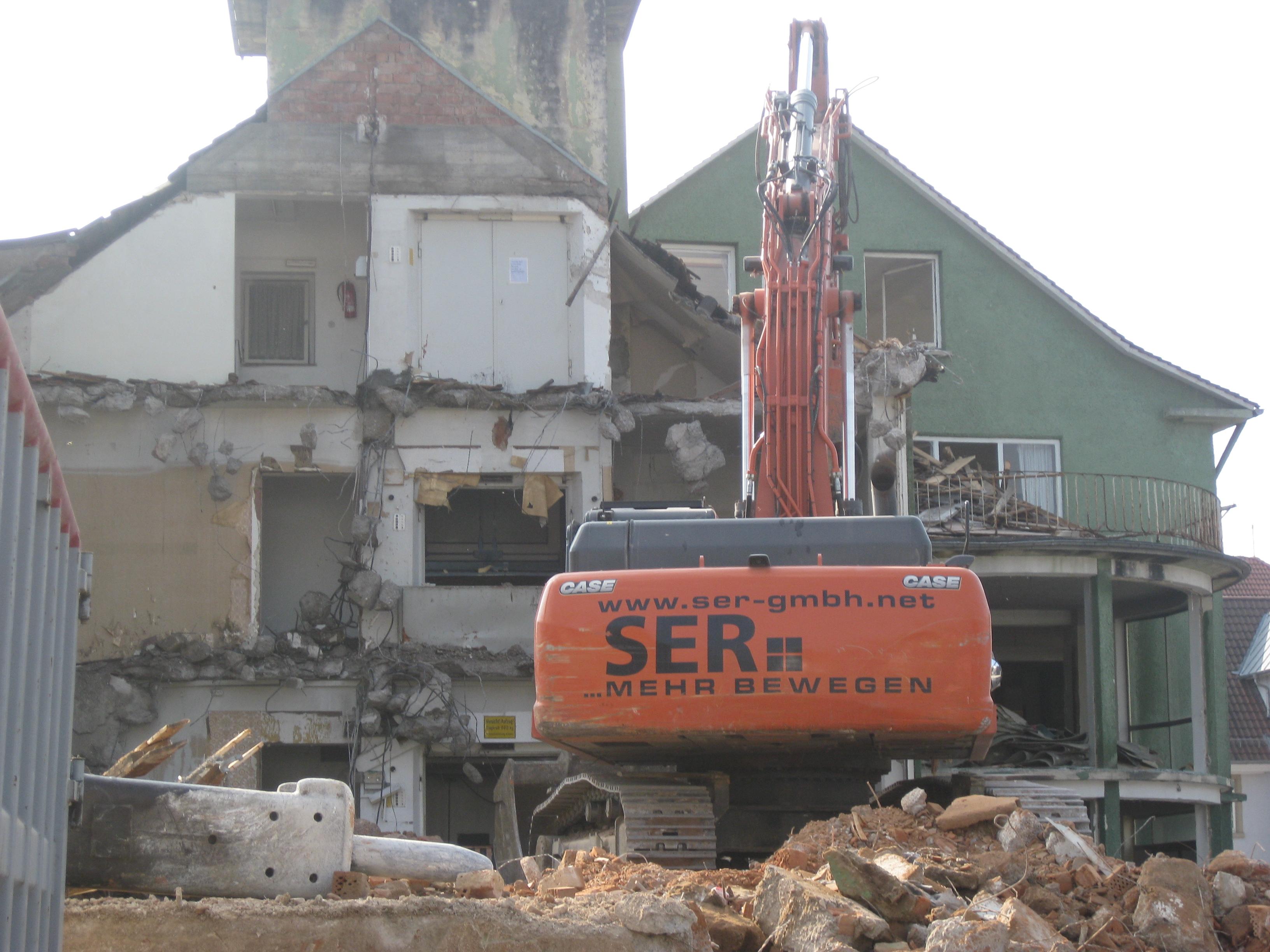 File:Demolition Of Furniture Store In Eschelbronn 2014 11