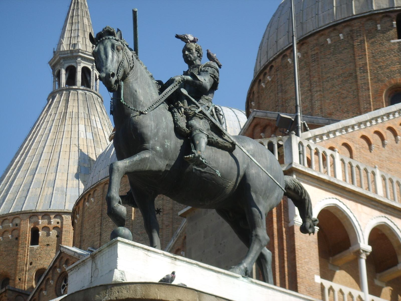 Descrizione Donatello  Monumento equestre al Gattamelata 05 JPGDonatello Equestrian Statue Of Gattamelata