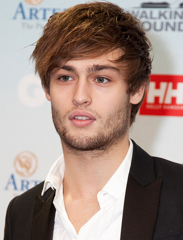 The 27-year old son of father (?) and mother Vivien Douglas Booth in 2020 photo. Douglas Booth earned a  million dollar salary - leaving the net worth at 2 million in 2020