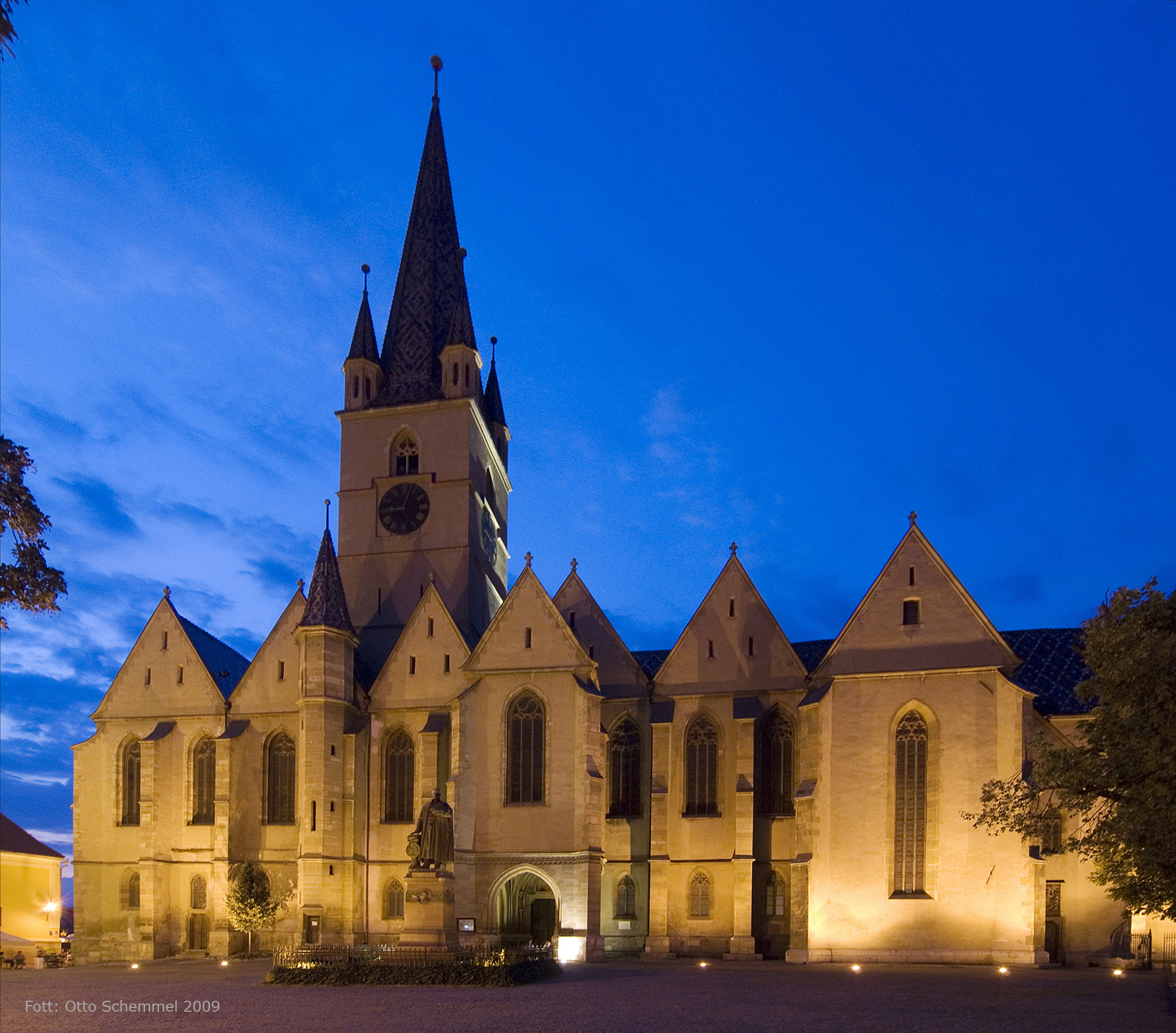 Stadtpfarrkirche (Hermannstadt) – Wikipedia  |Hermannstadt