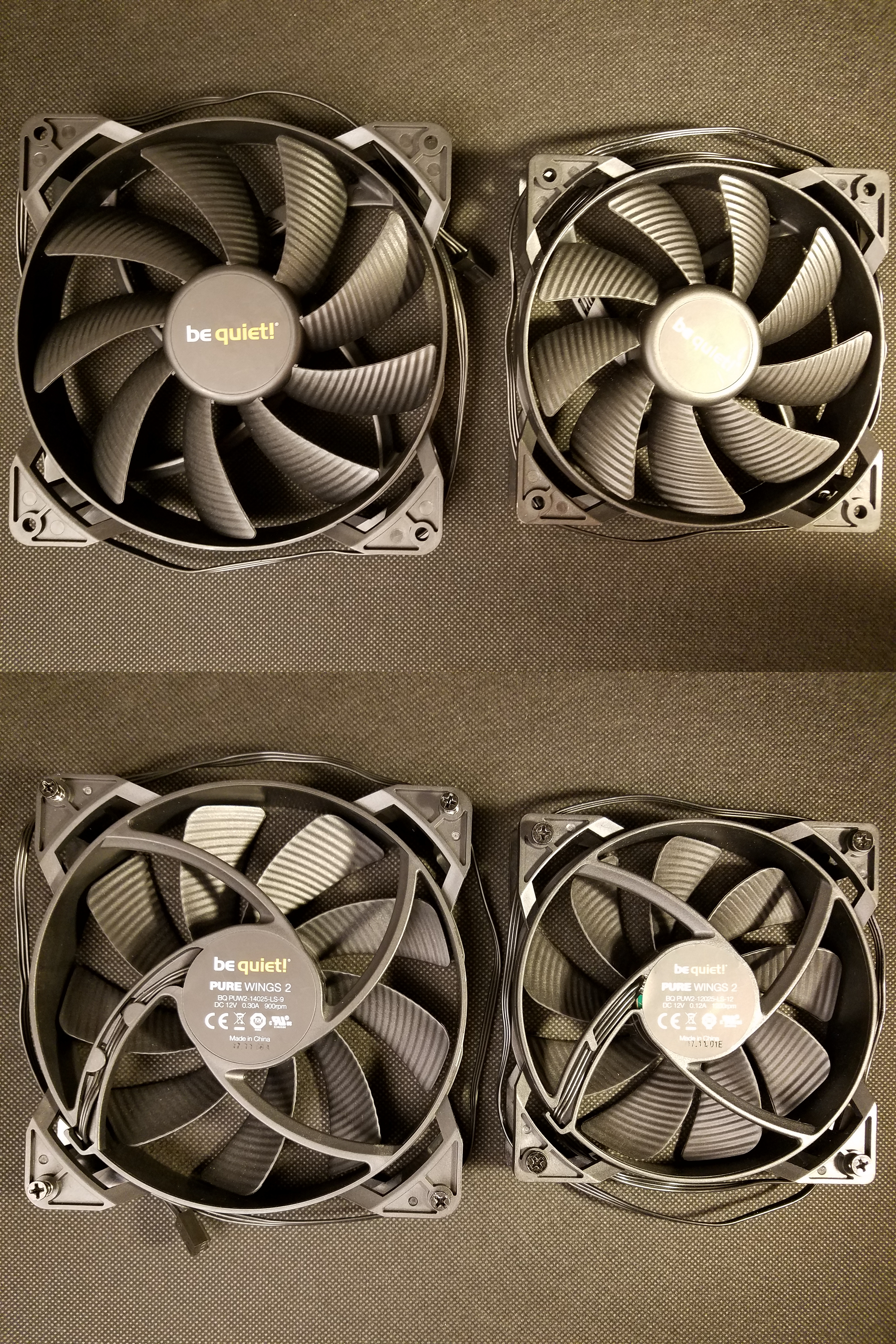 Fans from computer case - front and back - 2018-05-22.jpg English: Two fans installed by default on the computer case be quiet BG021. The smallest