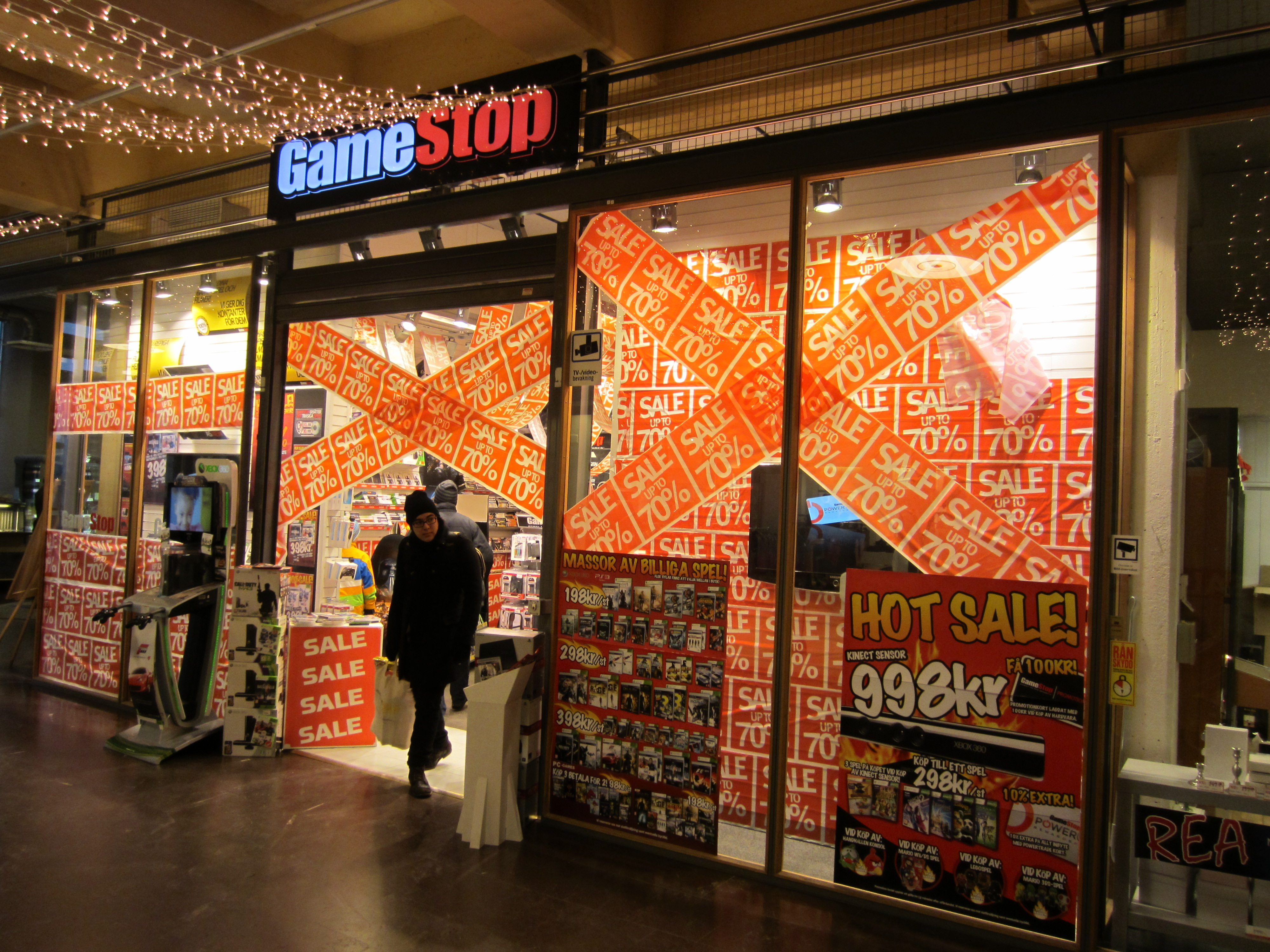 File:GameStop, Umeå.JPG - Wikimedia CommonsGamestop