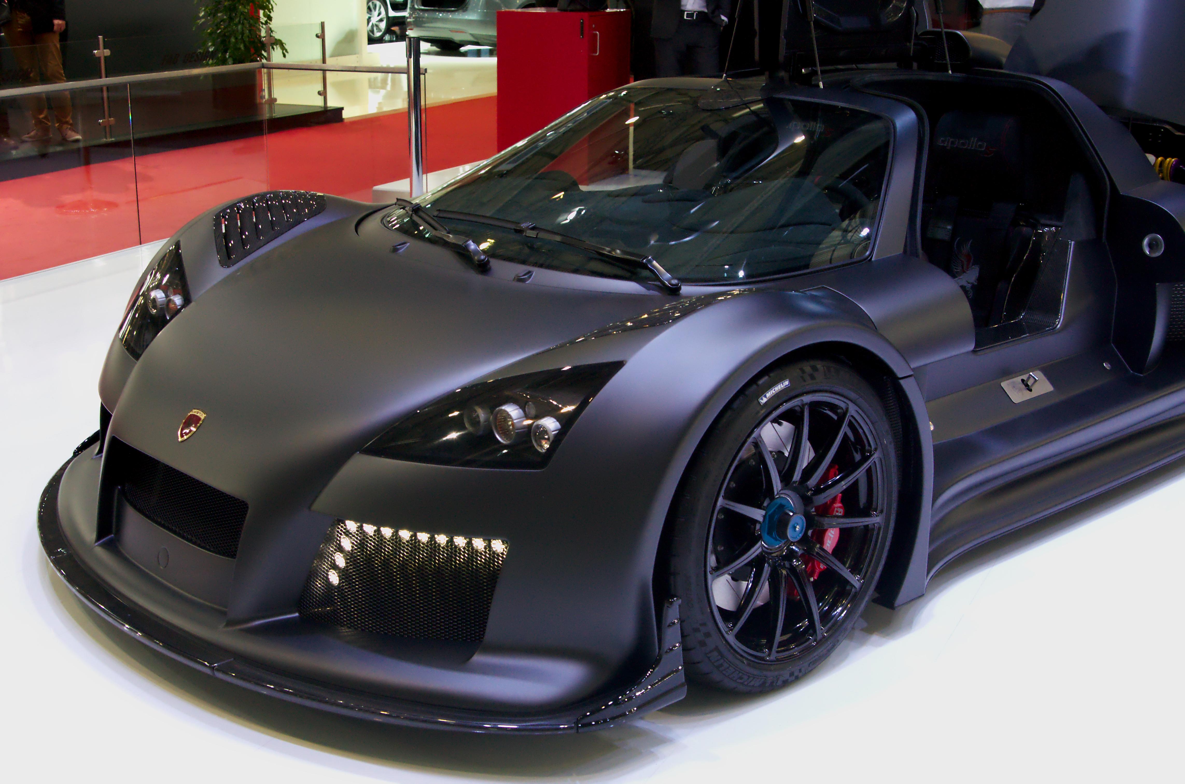 File:Geneva MotorShow 2013 - Gumpert Apollo S black front.jpg ...