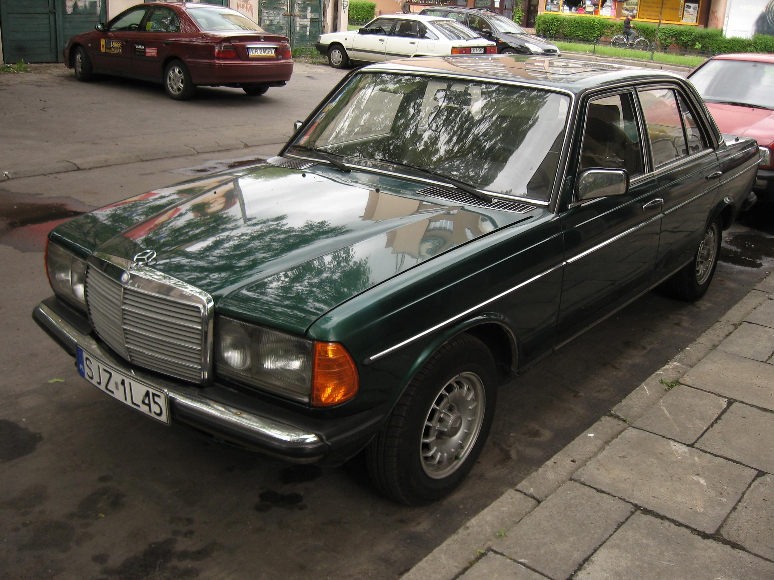 Mercedes benz w 23 wikipedia for Green mercedes benz