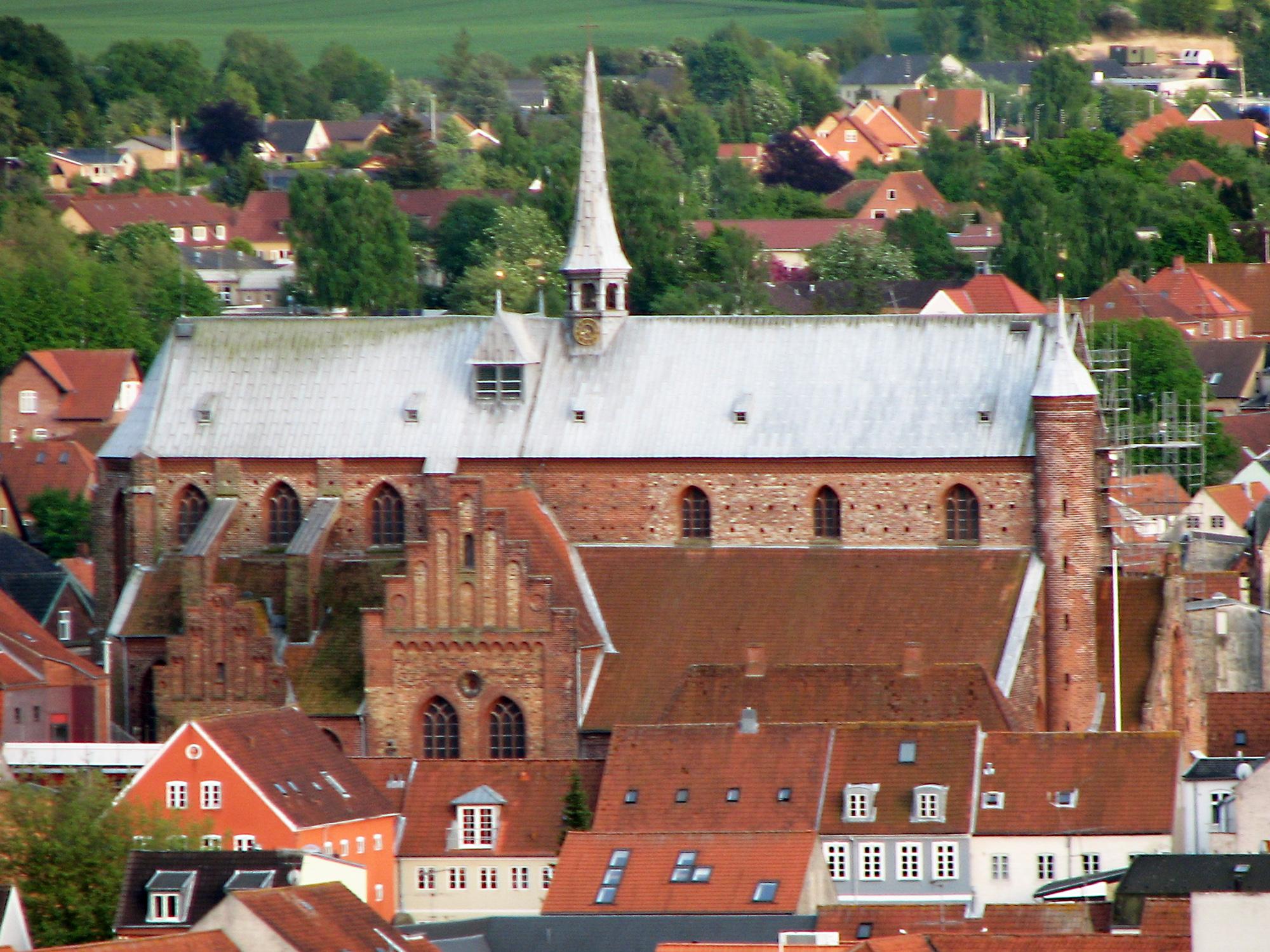 83e4b03d1589 File Haderslev Domkirke fra Nord.jpg - Wikimedia Commons
