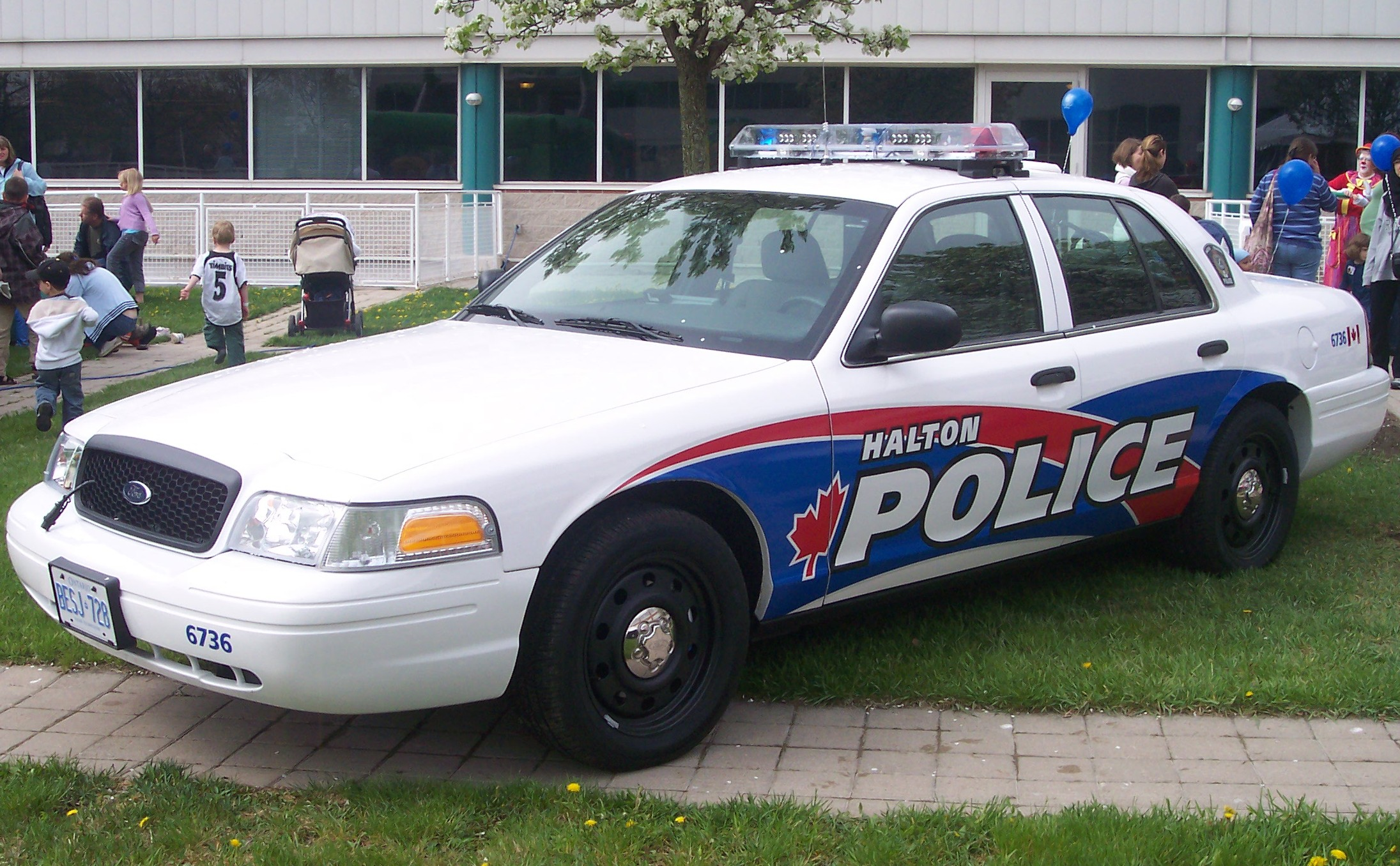 File:Halton Police Car.JPG  Wikimedia Commons