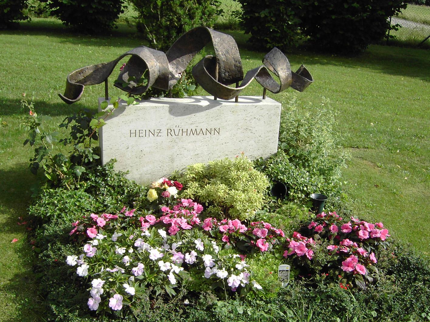 Grab von Heinz Rühmann