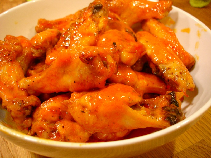 http://upload.wikimedia.org/wikipedia/commons/8/81/Homemade_buffalo_wings.jpg