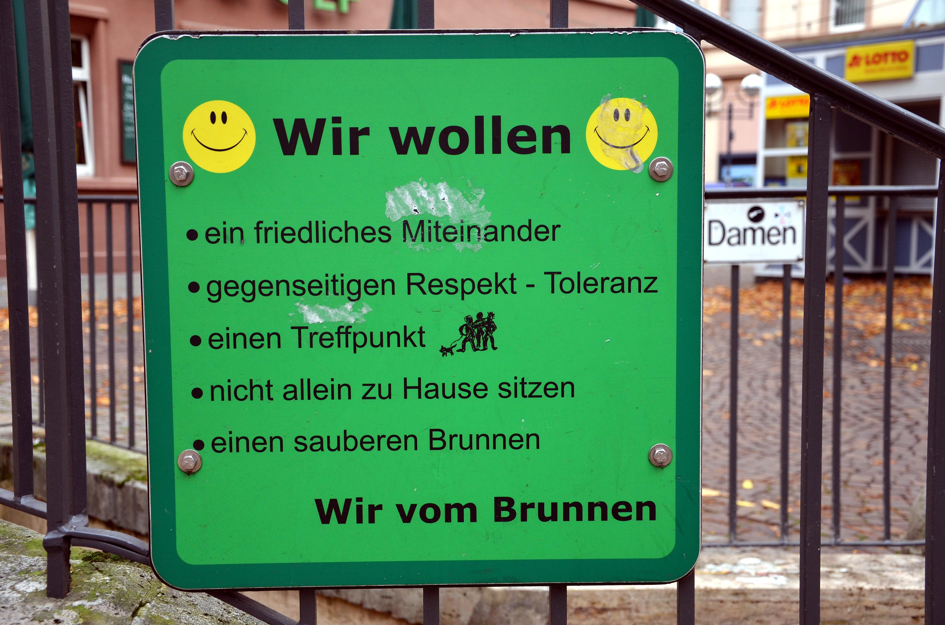 File Indianerbrunnen Werderplatz Karlsruhe Wir wollen ein