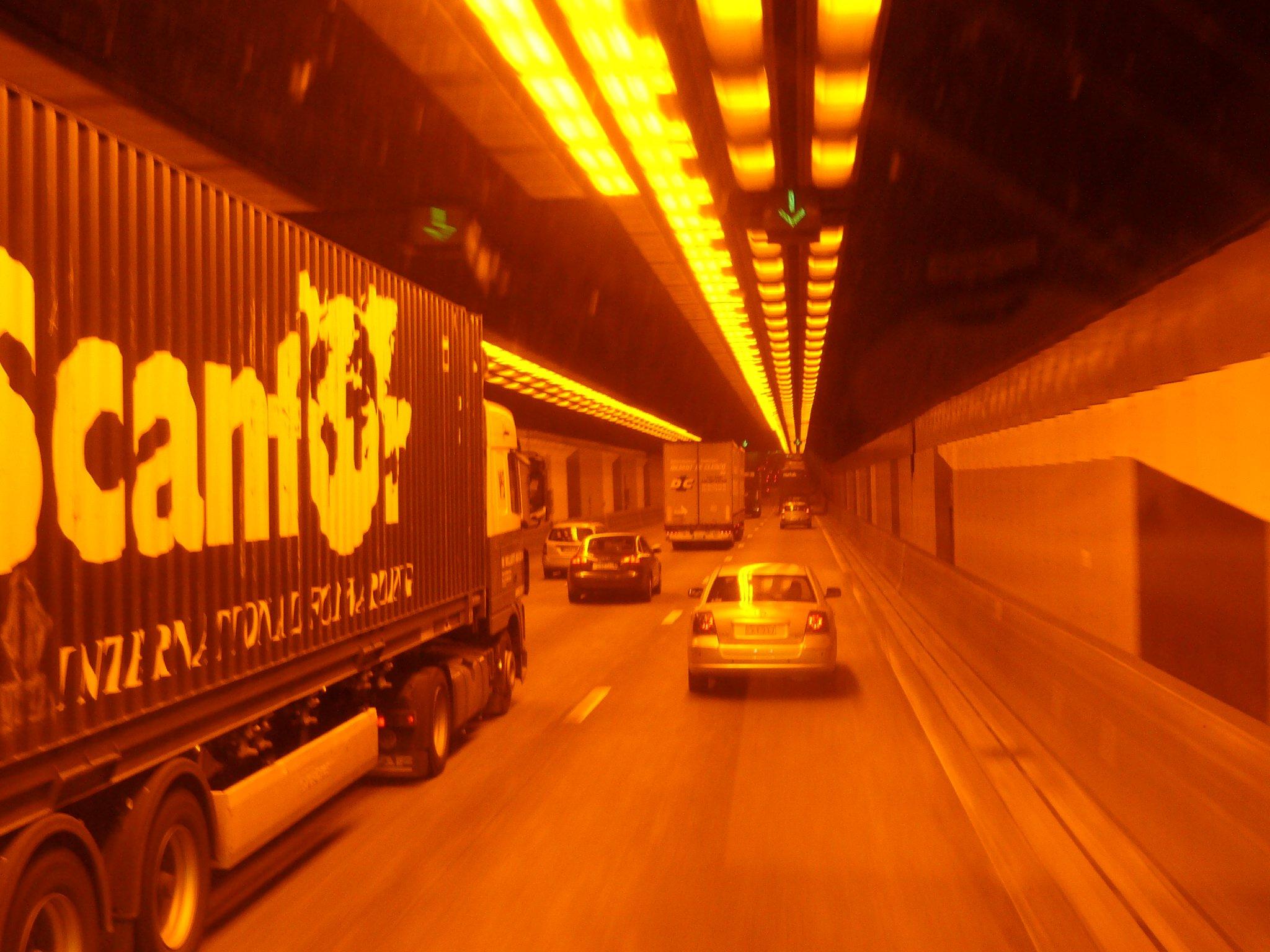 daterende brug en tunnel