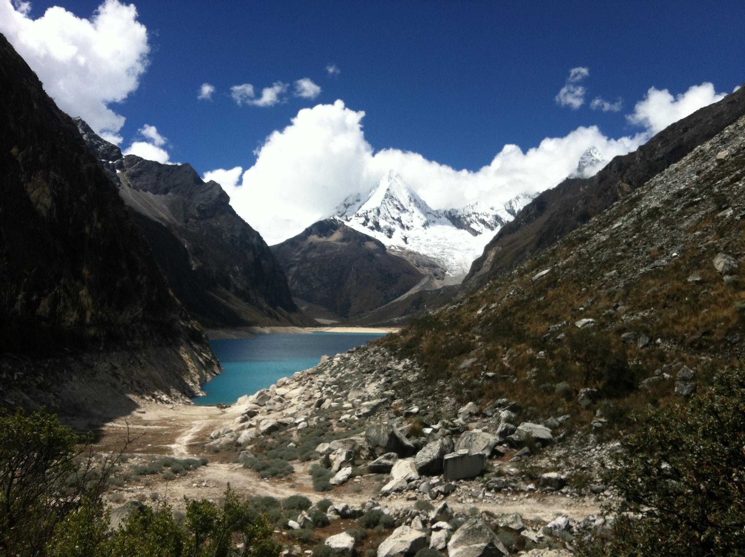 Laguna Parón (Cordillera Blanca) - panoramio.jpg