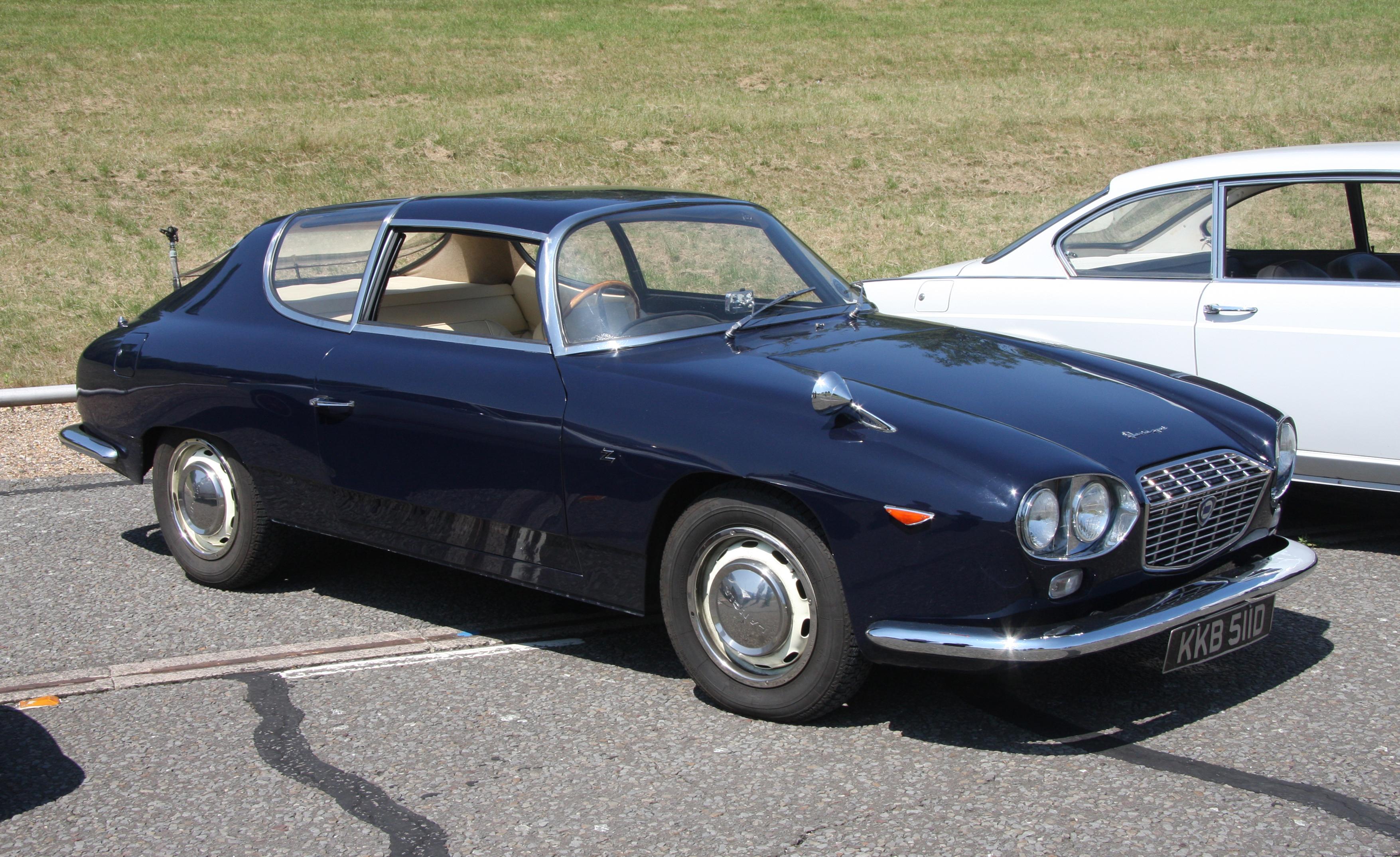 https://upload.wikimedia.org/wikipedia/commons/8/81/Lancia_Flavia_Sport_Zagato_-_Flickr_-_exfordy_%281%29.jpg