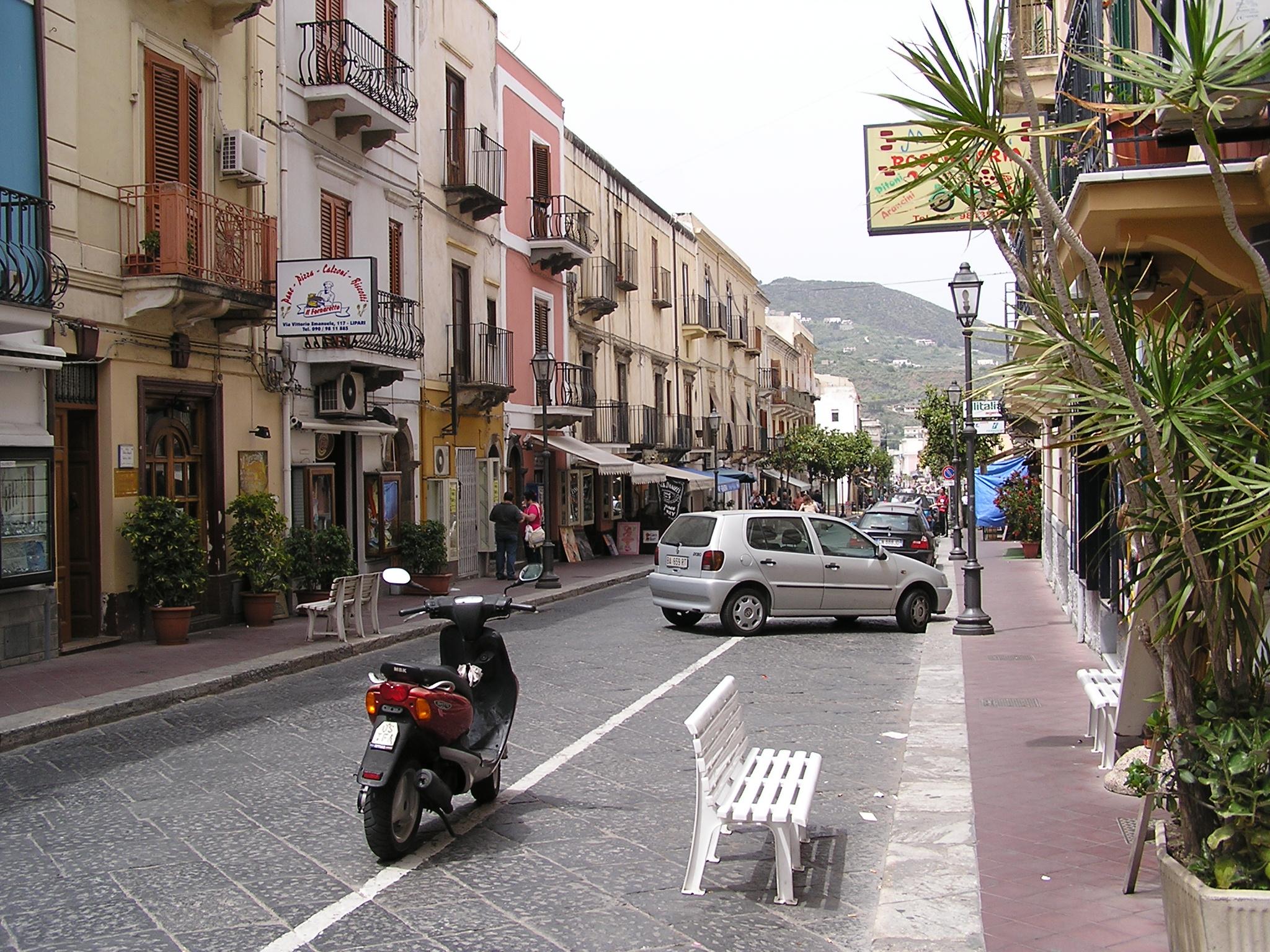 Strada cittadina di Lipari