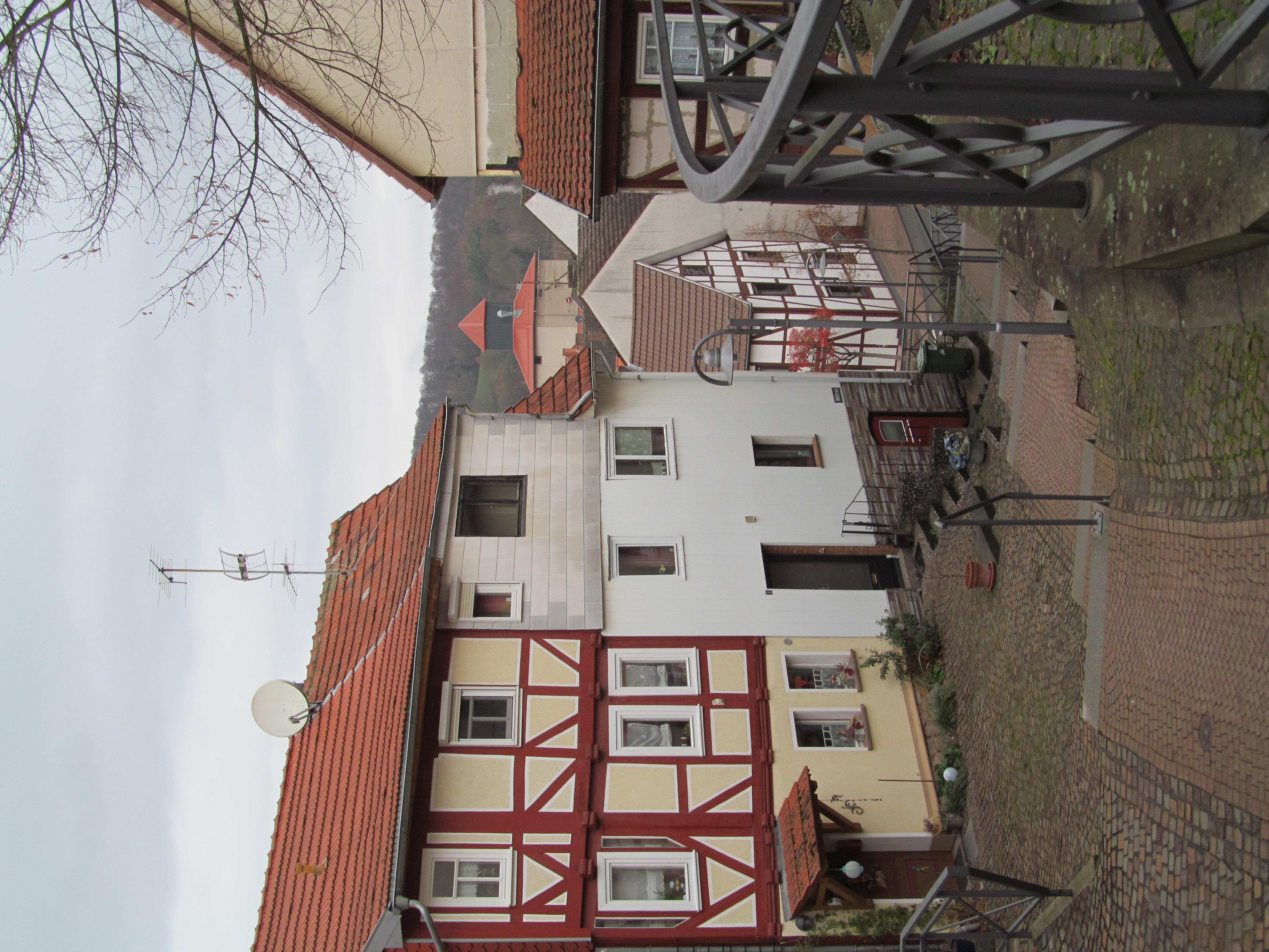 Haus sontra rotes Rotes Haus