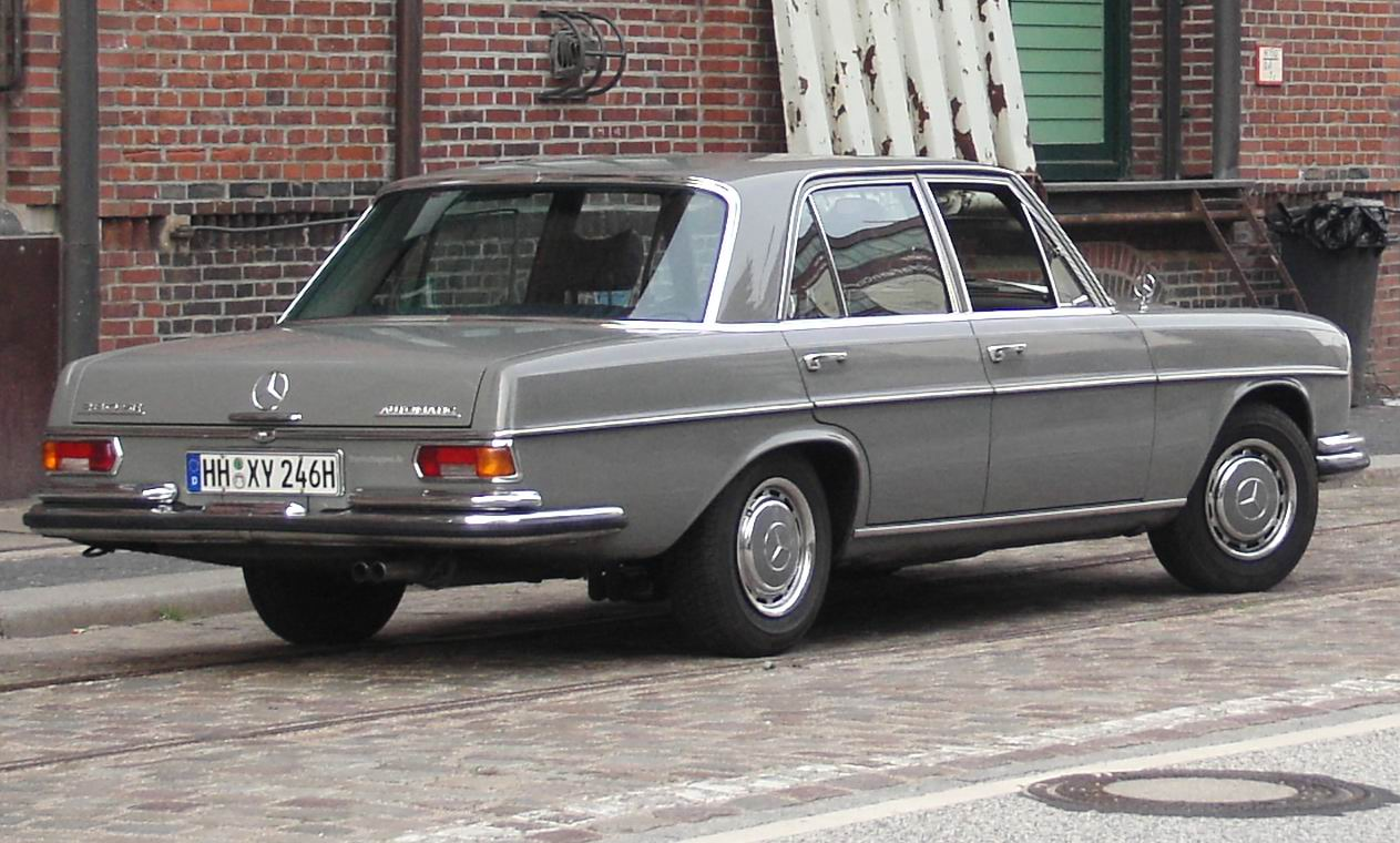 File mb w108 rear wikimedia commons for Mercedes benz 108
