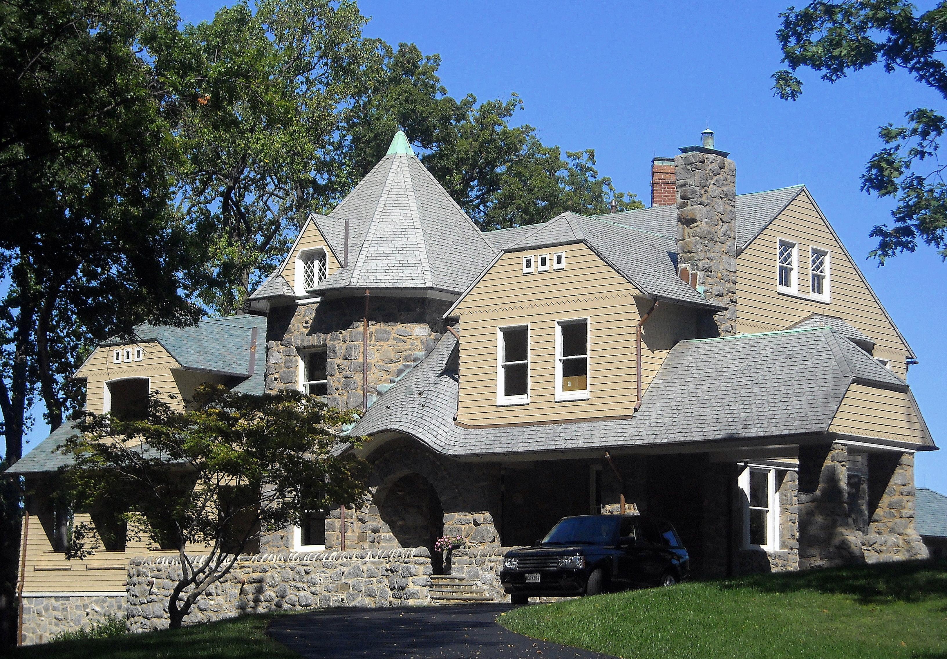 File:Owl's_Nest_ _Washington,_D.C on English Cottage Style Homes